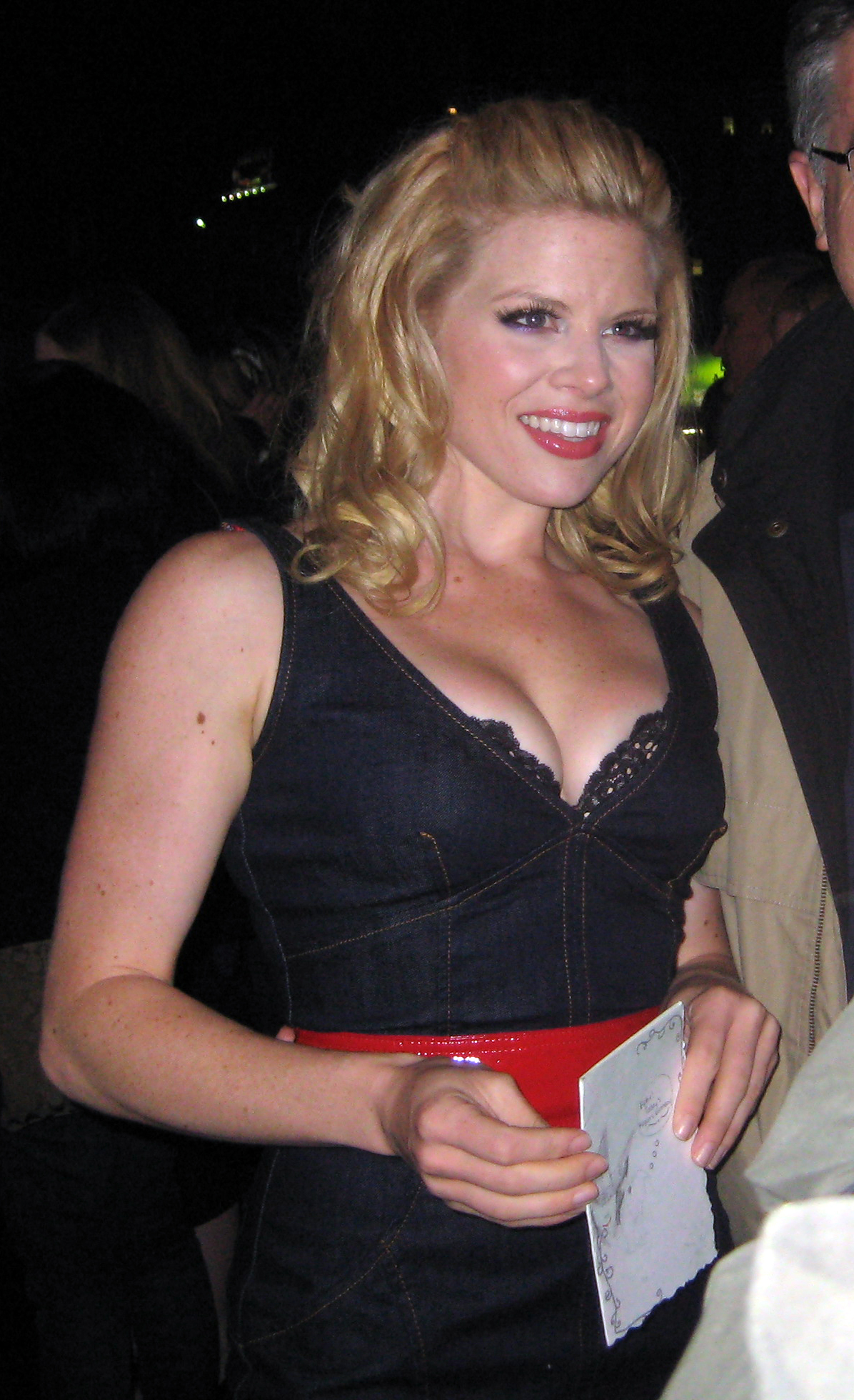 The 37-year old daughter of father Jack Hilty and mother Donna Hilty Megan Hilty in 2018 photo. Megan Hilty earned a  million dollar salary - leaving the net worth at 145 million in 2018