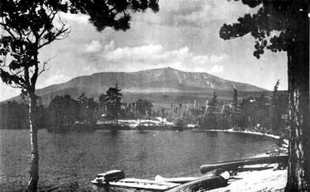 File:Mount Katahdin from Togue Pond.jpg