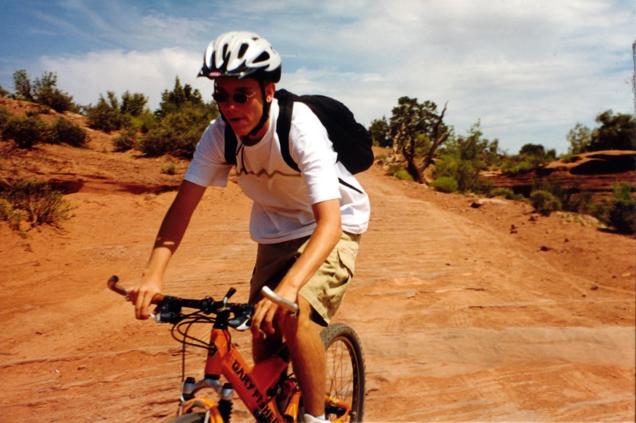 ファイル mountain biking gemini bridges trail utah 363335661