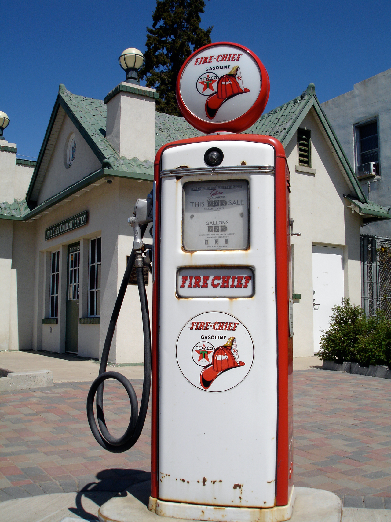 Old Time Gas Pumps File:old Gas Pump.jpg