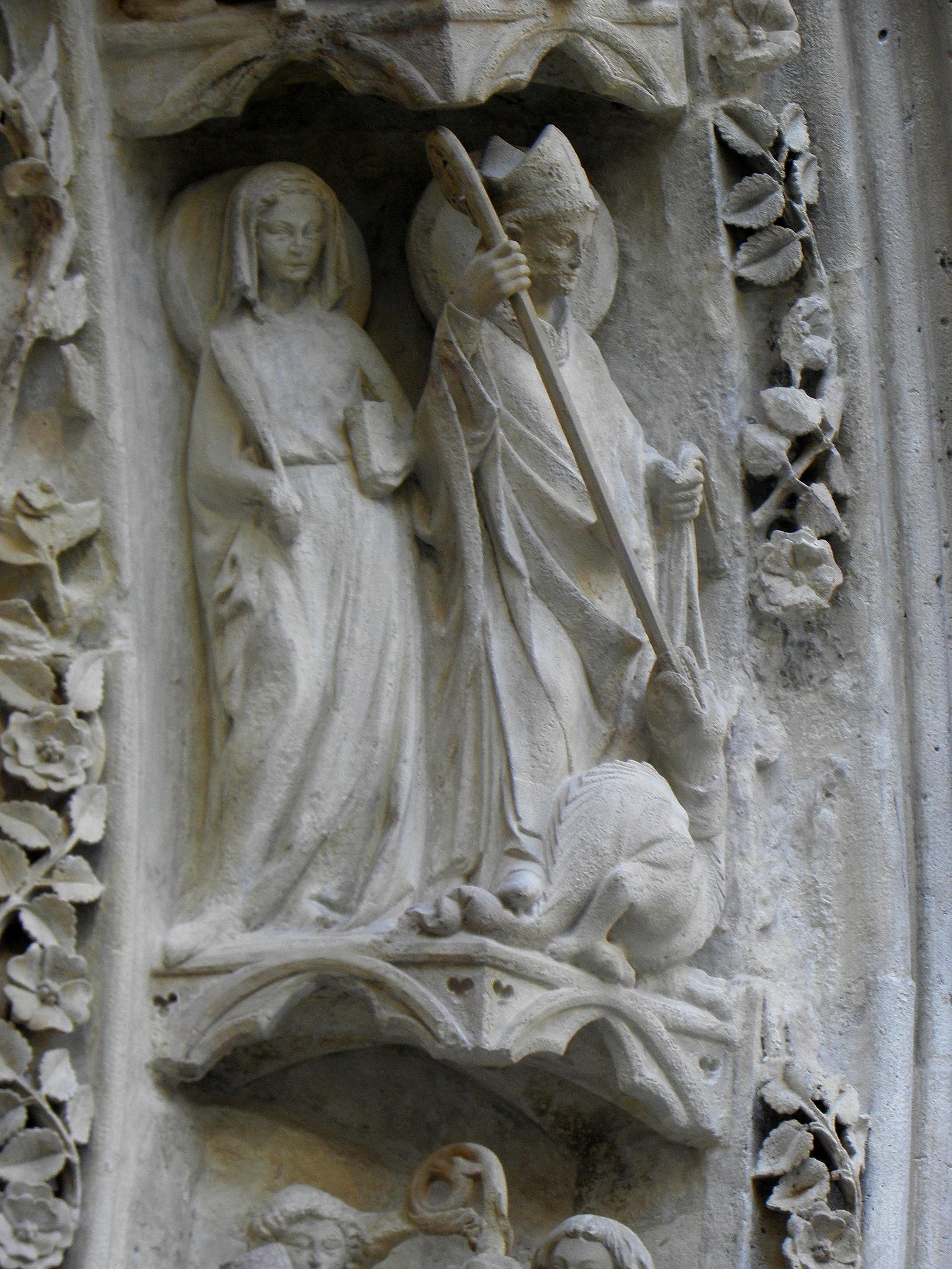 Fileparis 75004 Cathédrale Métropolitaine Notre Dame Porte Rouge