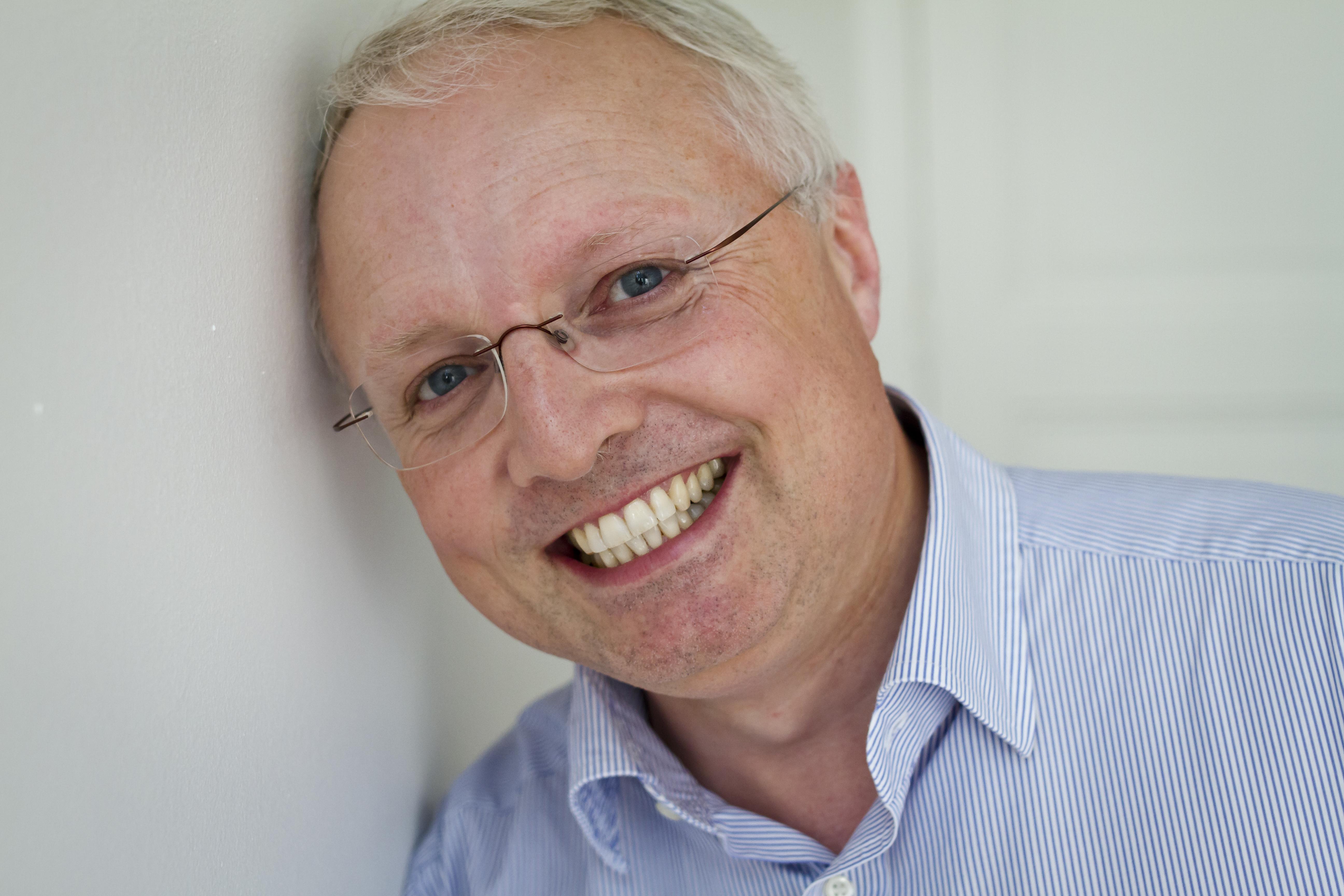 Peter Hicks