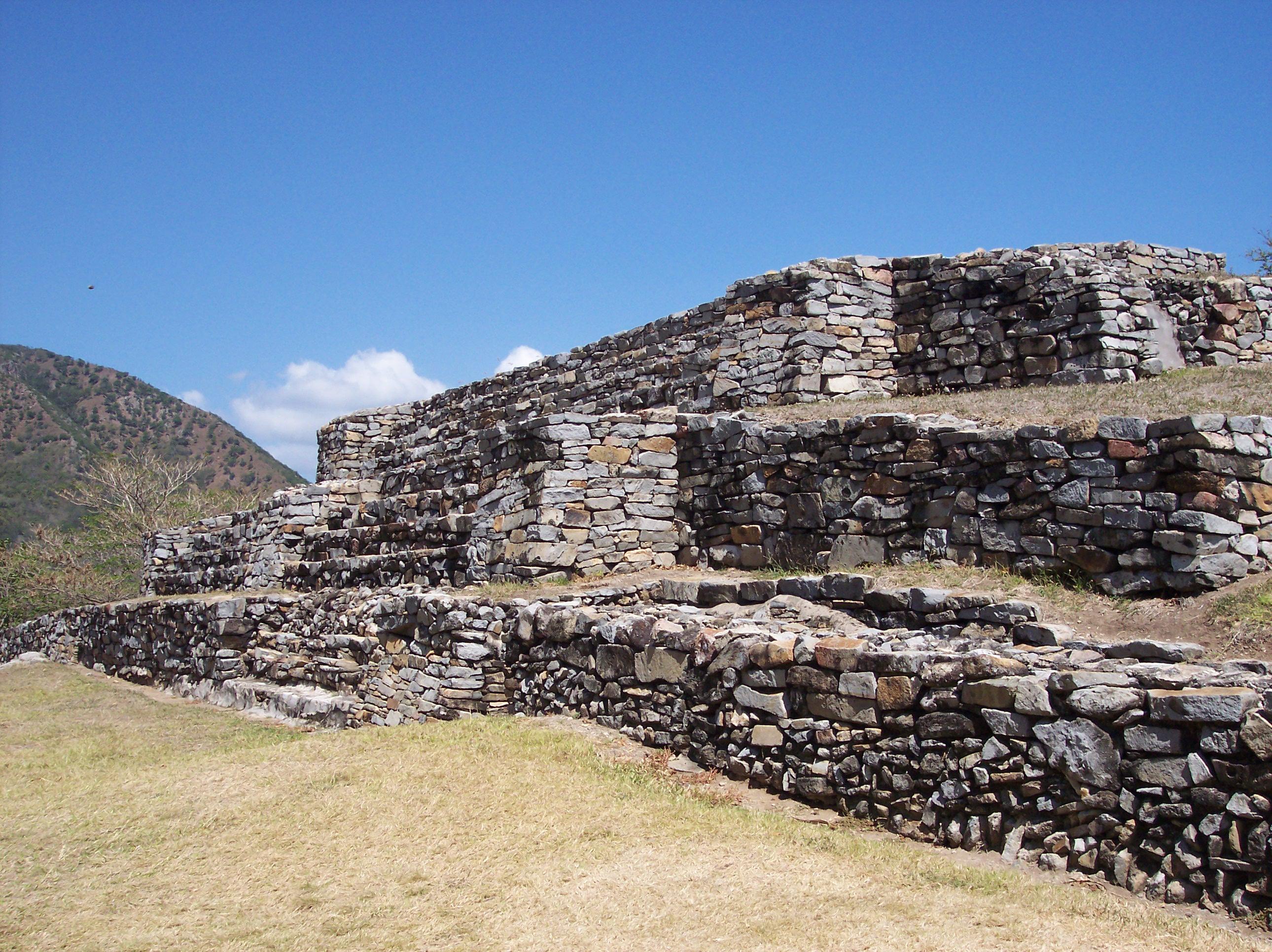 Quiahuiztlán cuenta con un Museo de Sitio.