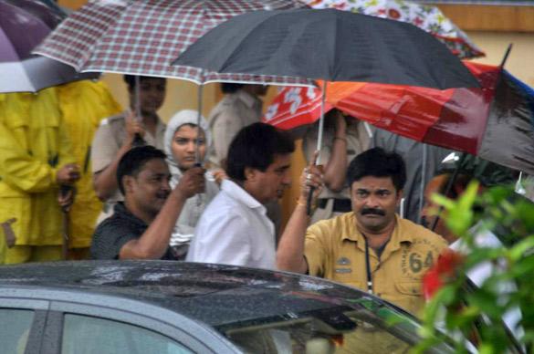 File:Raj Babbar at Rajesh Khanna's funeral 11.jpg