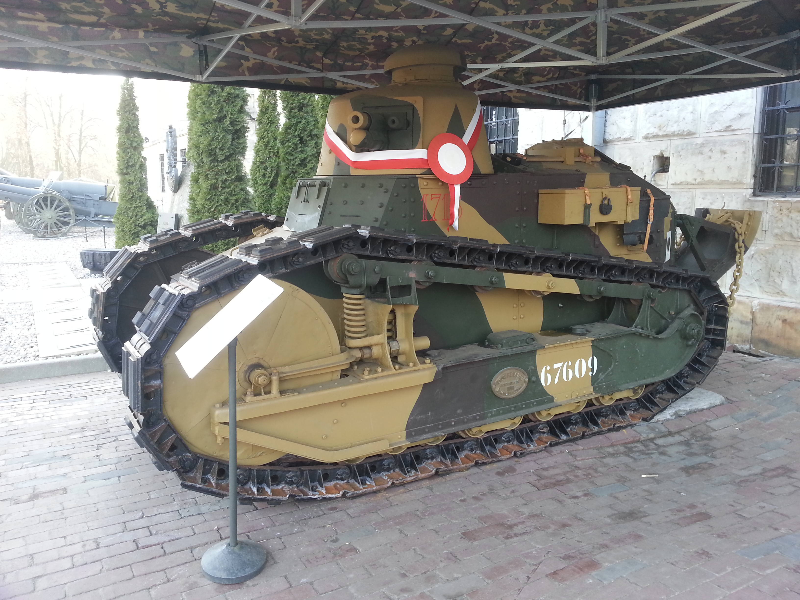 File:Renault FT-17 W Muzeum Wojska Polskiego.jpg