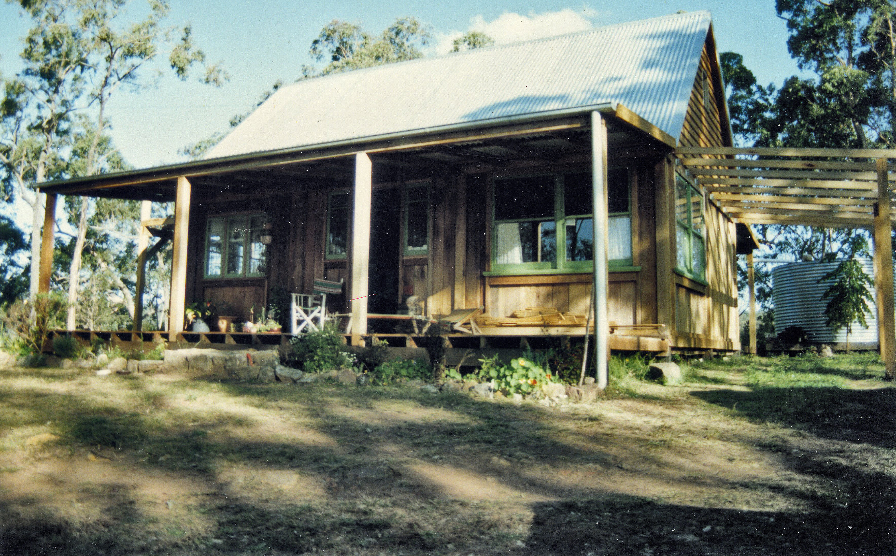 File Slab Hut Watagan Front Jpg Wikimedia Commons