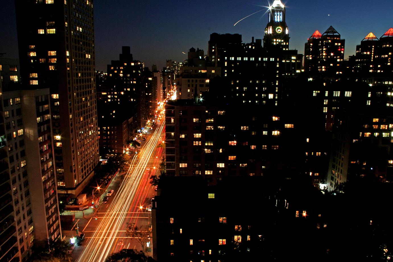 descriptive essay city street at night