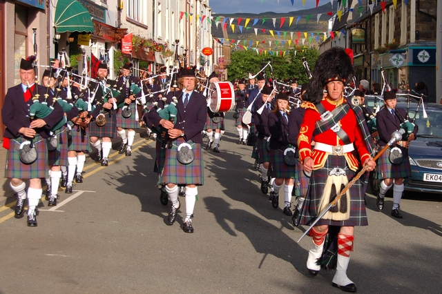 Datei:The Isle of Skye Pipe Band Festival - geograph.org.uk - 480891.jpg