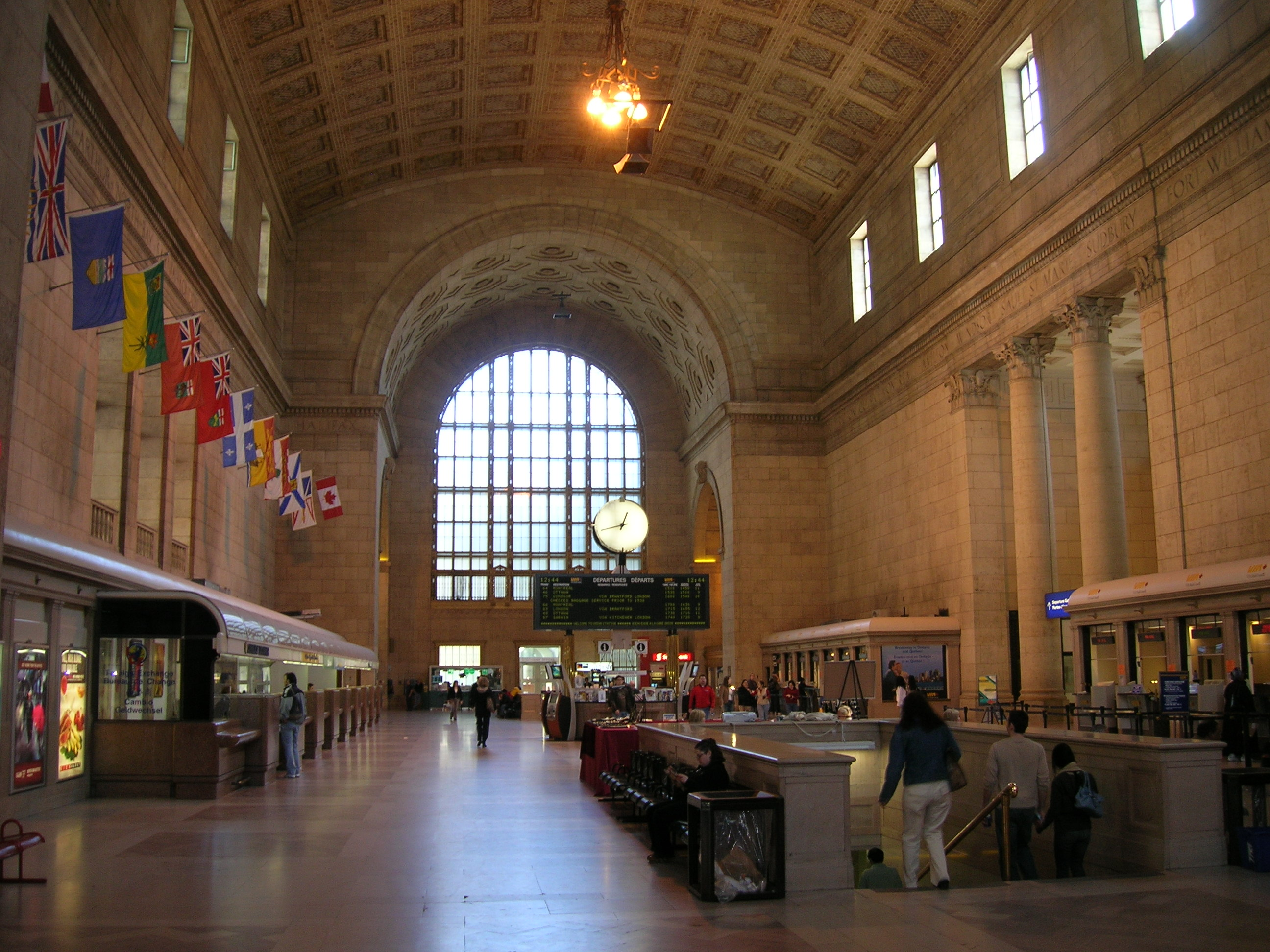 how to get to york street from union station