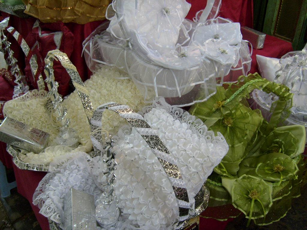 Fichier:Trousseau mariage Tunis.JPG — Wikipédia
