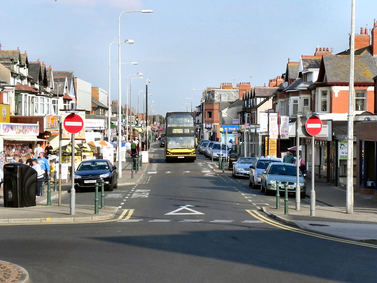 File:Victoria Road West, Cleveleys - geograph.org.uk ...