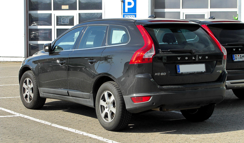 File:Volvo XC60 2.4D DRIVe – Heckansicht, 9. April 2011 ...