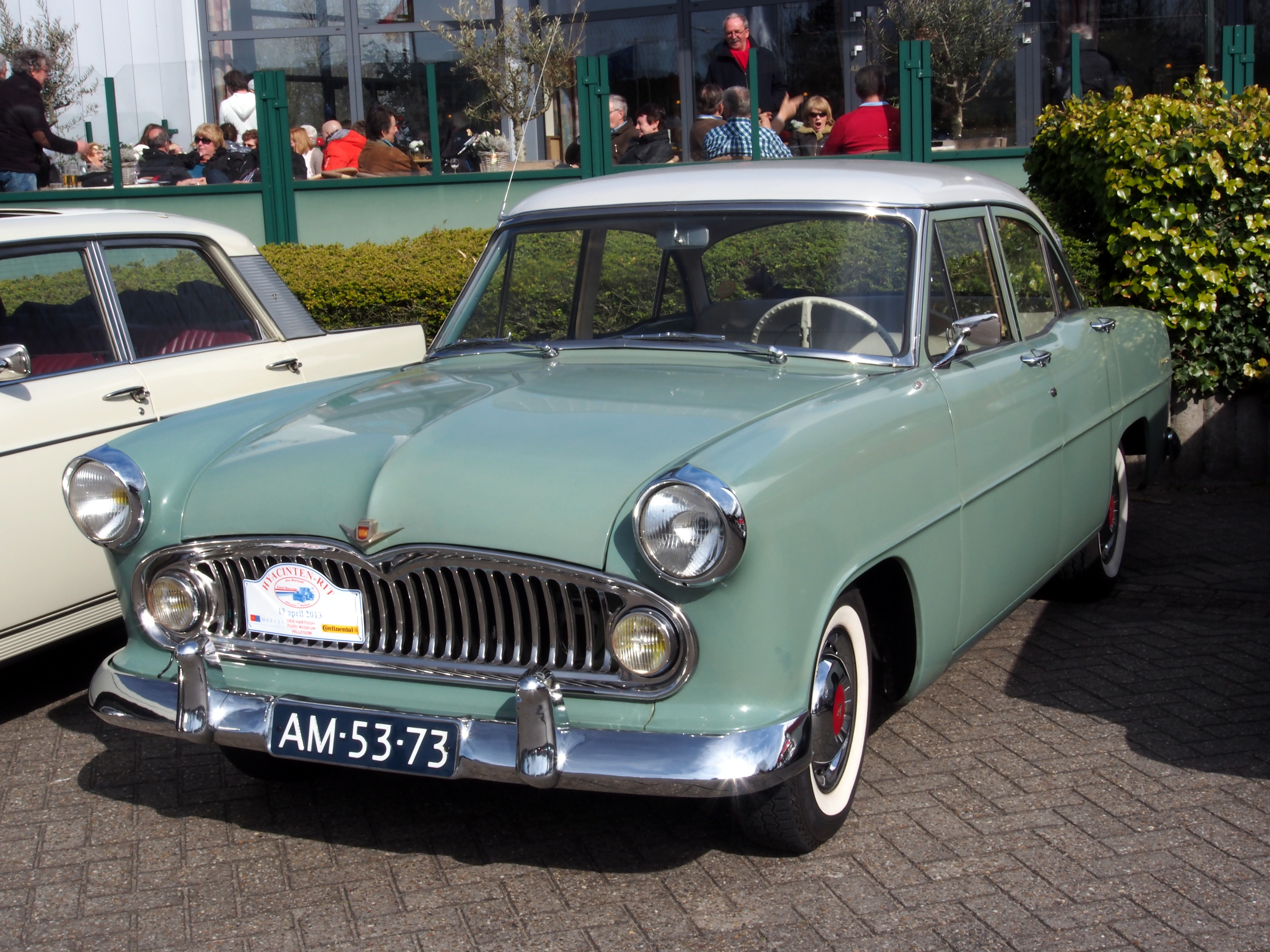 File 1956 Simca Versailles V8 Pict2 Jpg Wikimedia Commons