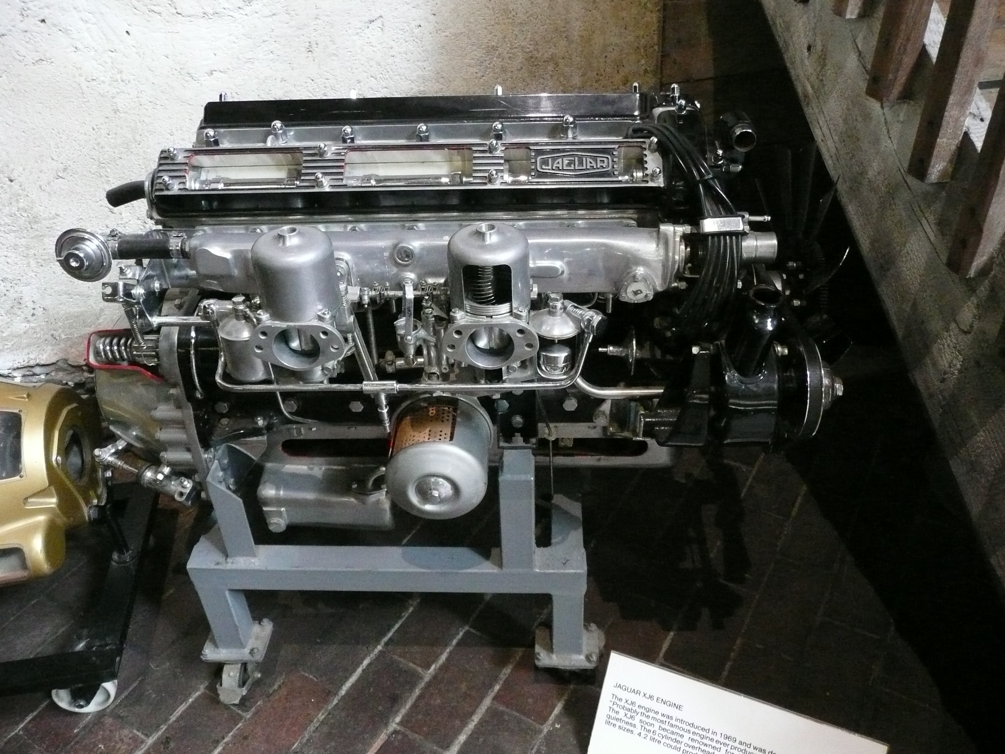 Description 1969 Jaguar XJ6 Engine JPG