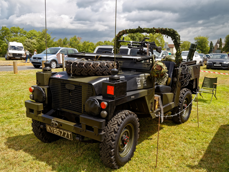 file:1979 land rover 2225cc at hatfield heath festival 2017