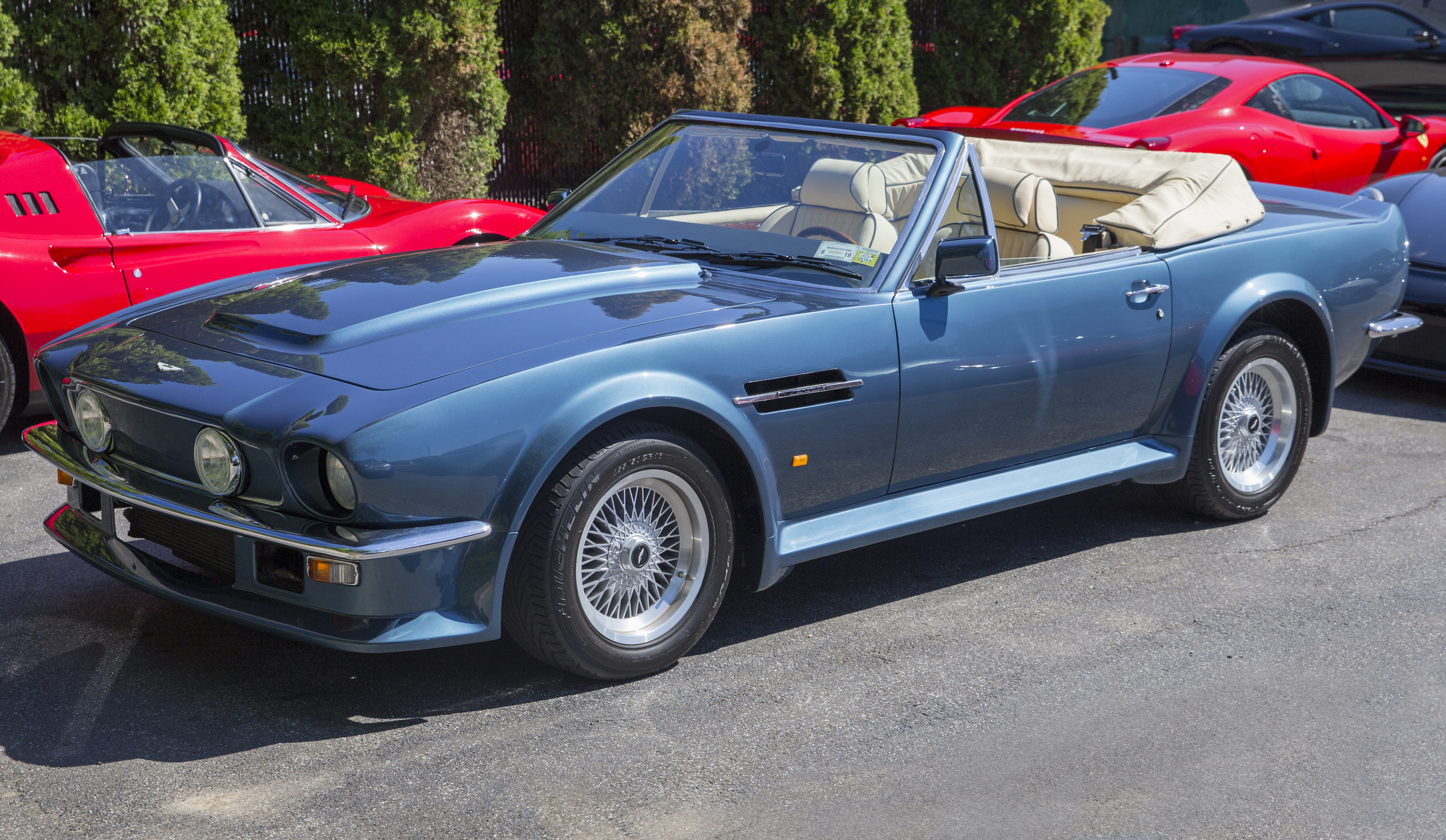 File 1990 Aston Martin V8 Vantage Volante X Pack Chichester Blue Front Left Jpg Wikimedia Commons