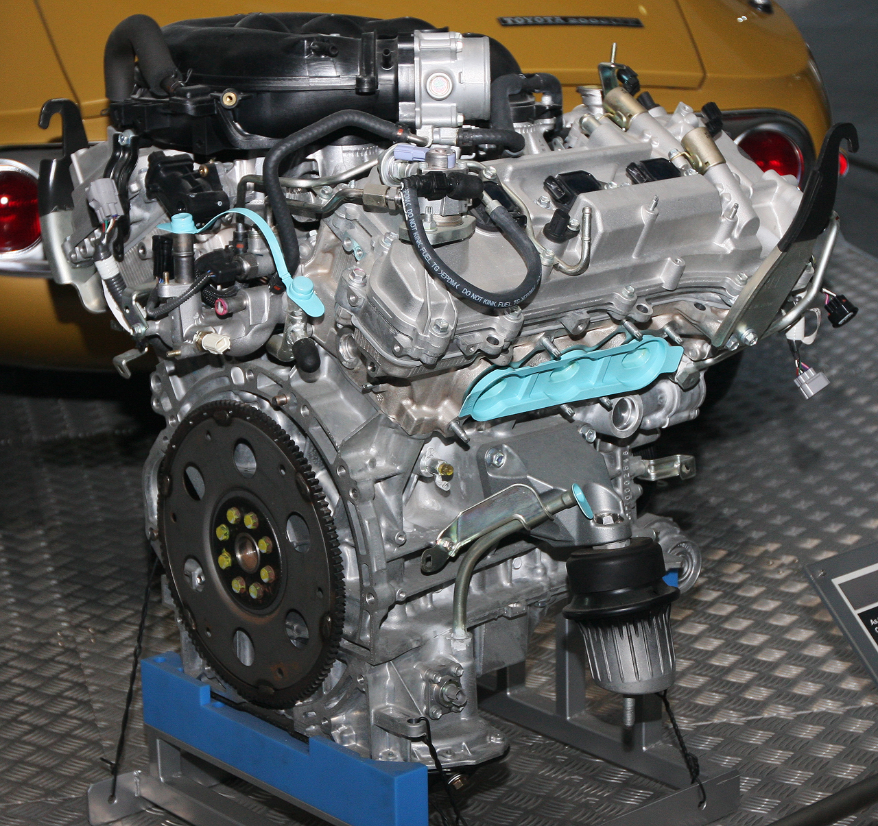 File:2004 Toyota 4GR-FSE Type engine rear.jpg