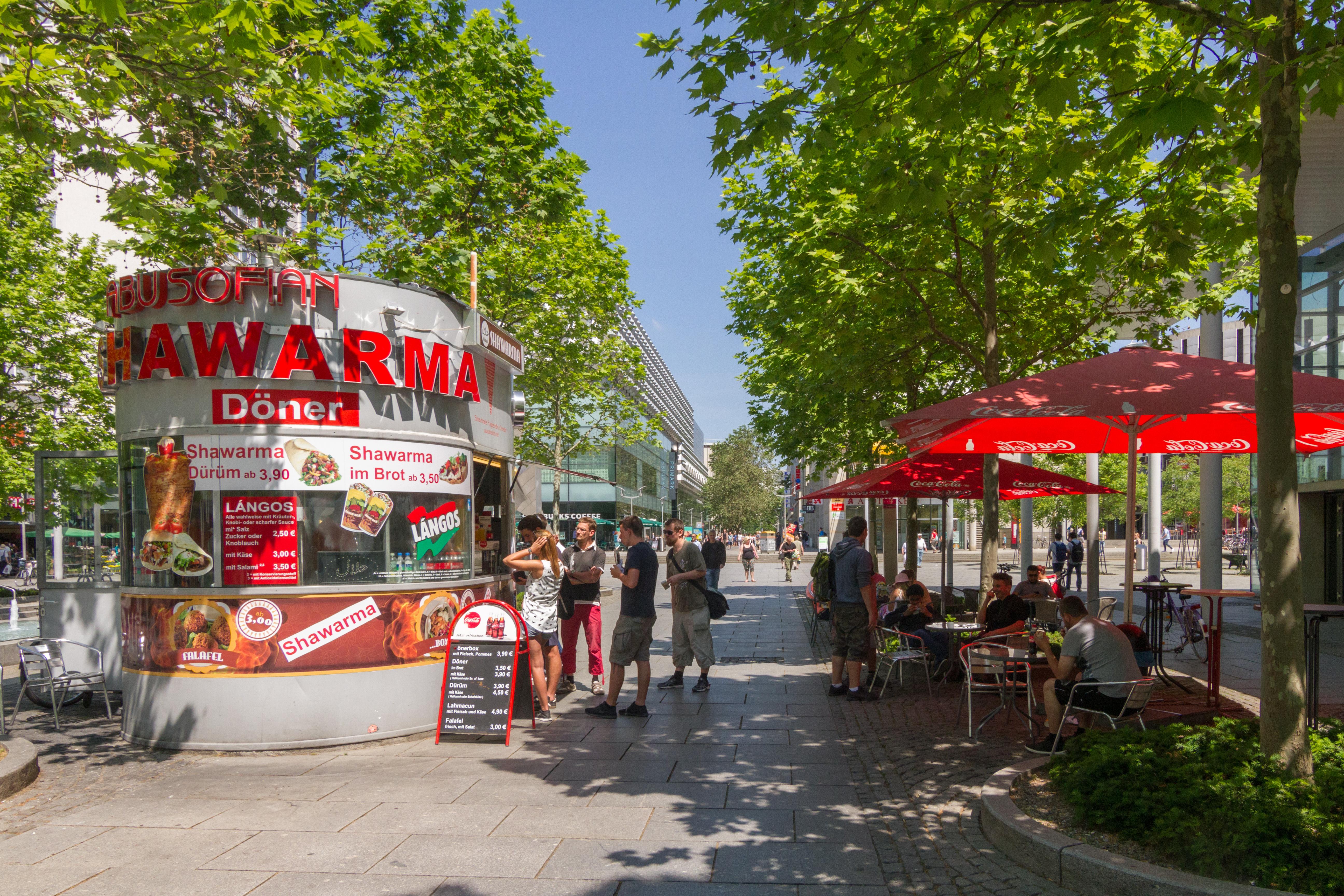 2017-06-02 Shawarma on Prager Straße, Dresden.jpg