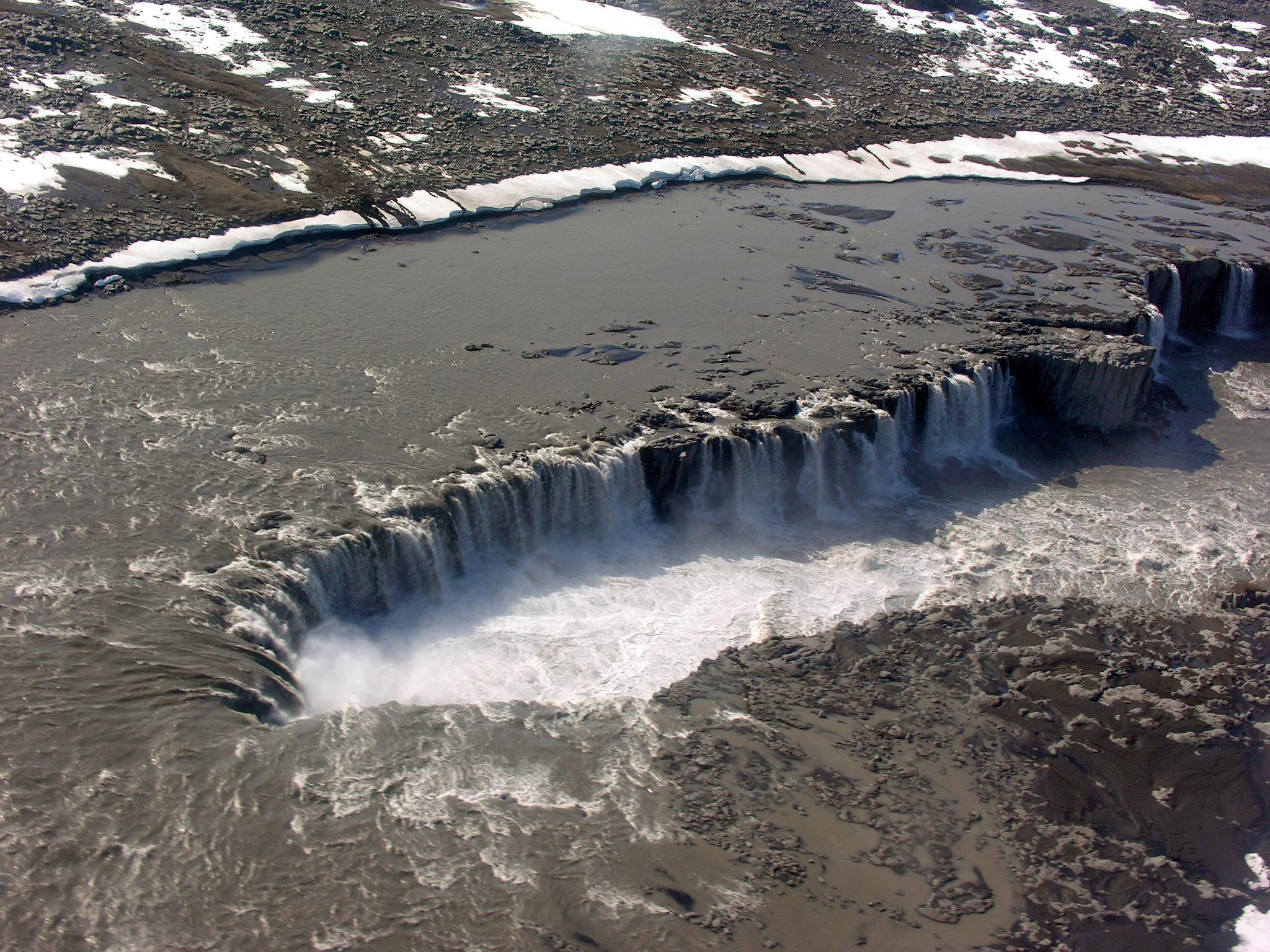 Aerial View of Selfoss 21.05.2008 15-51-14.JPG