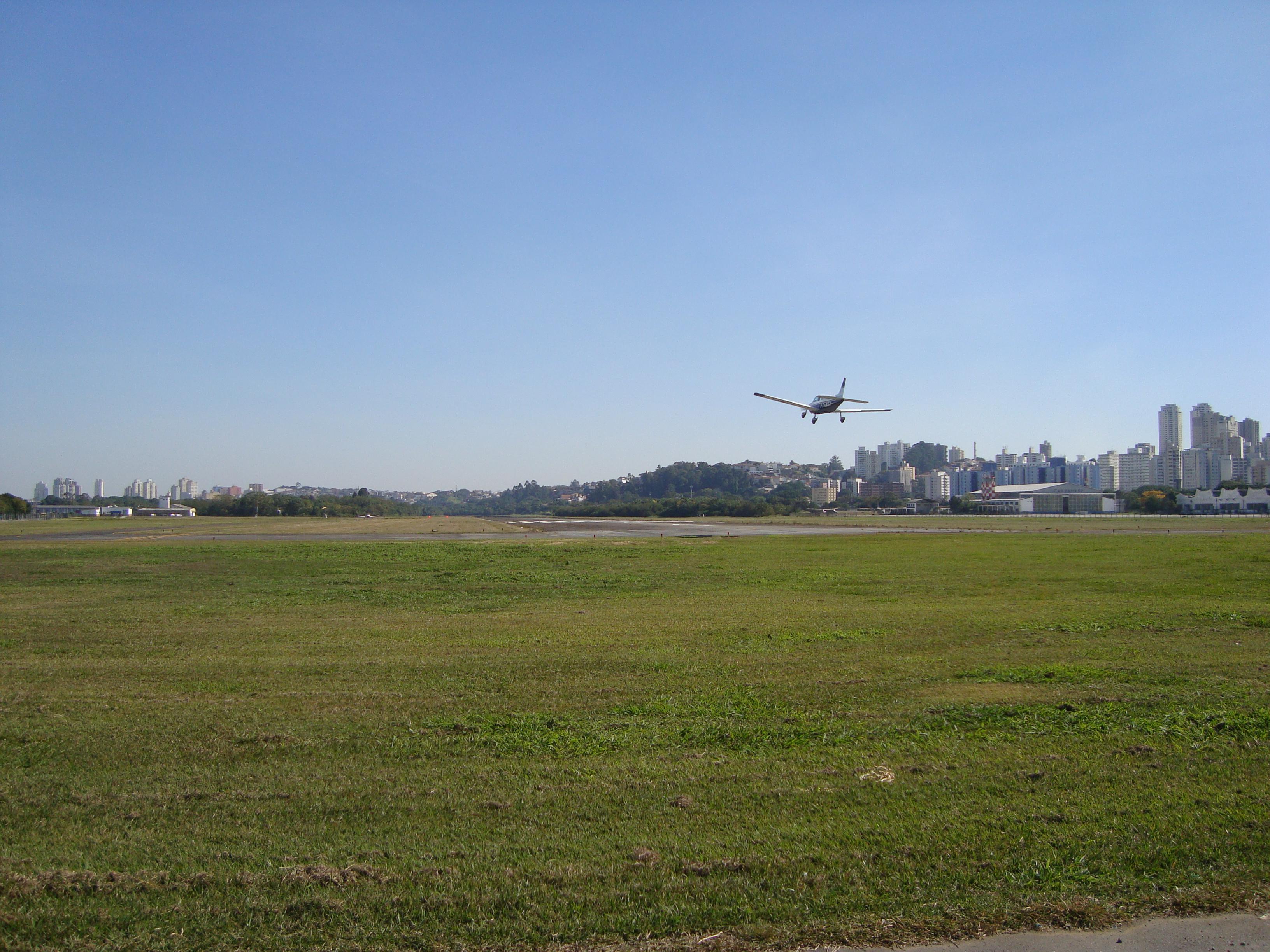 Depiction of Aeropuerto Campo de Marte