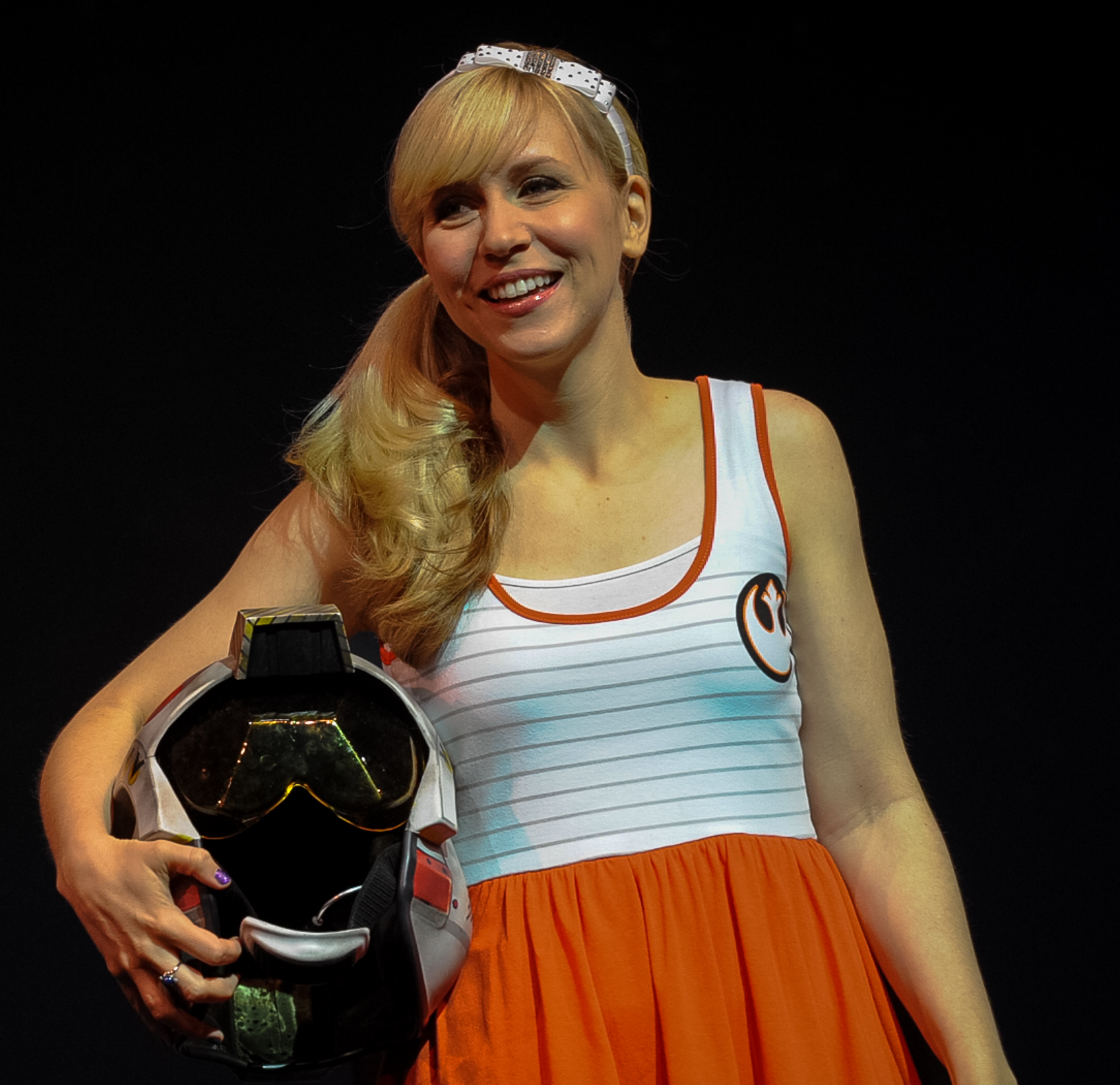 The 37-year old daughter of father (?) and mother(?) Ashley Eckstein in 2018 photo. Ashley Eckstein earned a  million dollar salary - leaving the net worth at 2 million in 2018