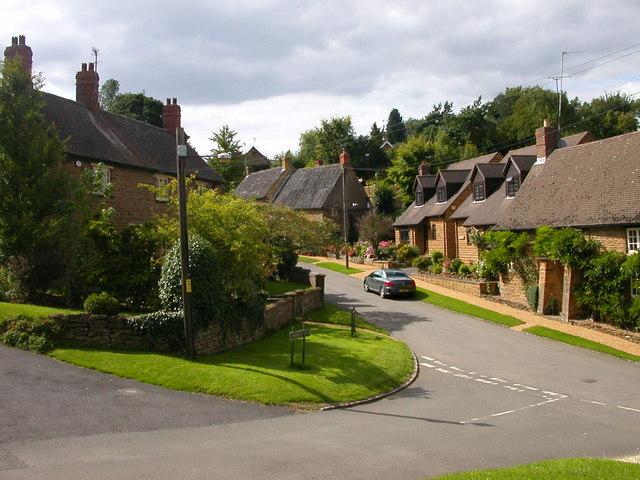 Badby-Church Hill - geograph.org.uk - 933599