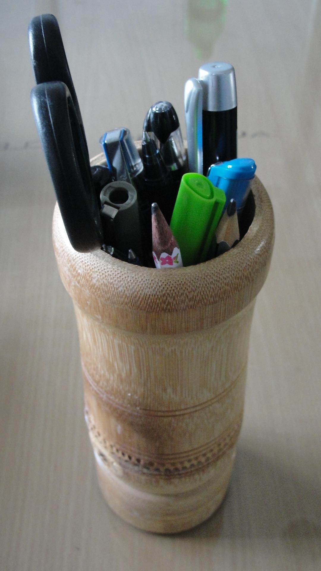 File:Bamboo art work (pen stand).jpg