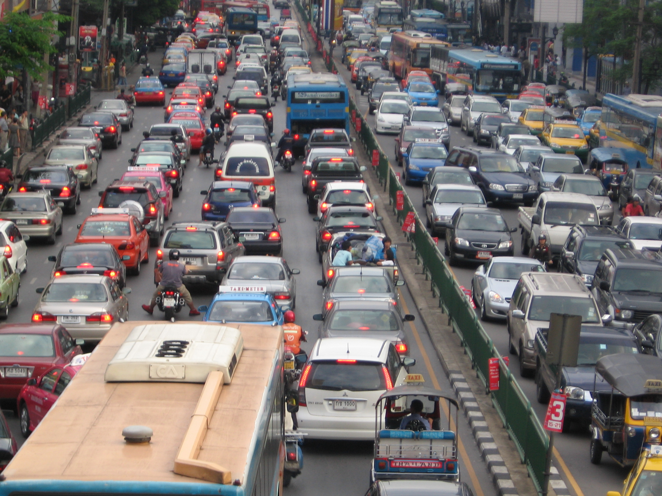 big cities have housing problem and problem of heavy traffic Alternate routes are also a problem cities have limited capacity to expand due to poor funding and planning restrictions preventing building on green belt spaces cities are forced to work with the routes they already have thus, if they can't increase the number of lanes it leads to congestion employers may also play a part in causing congestion.