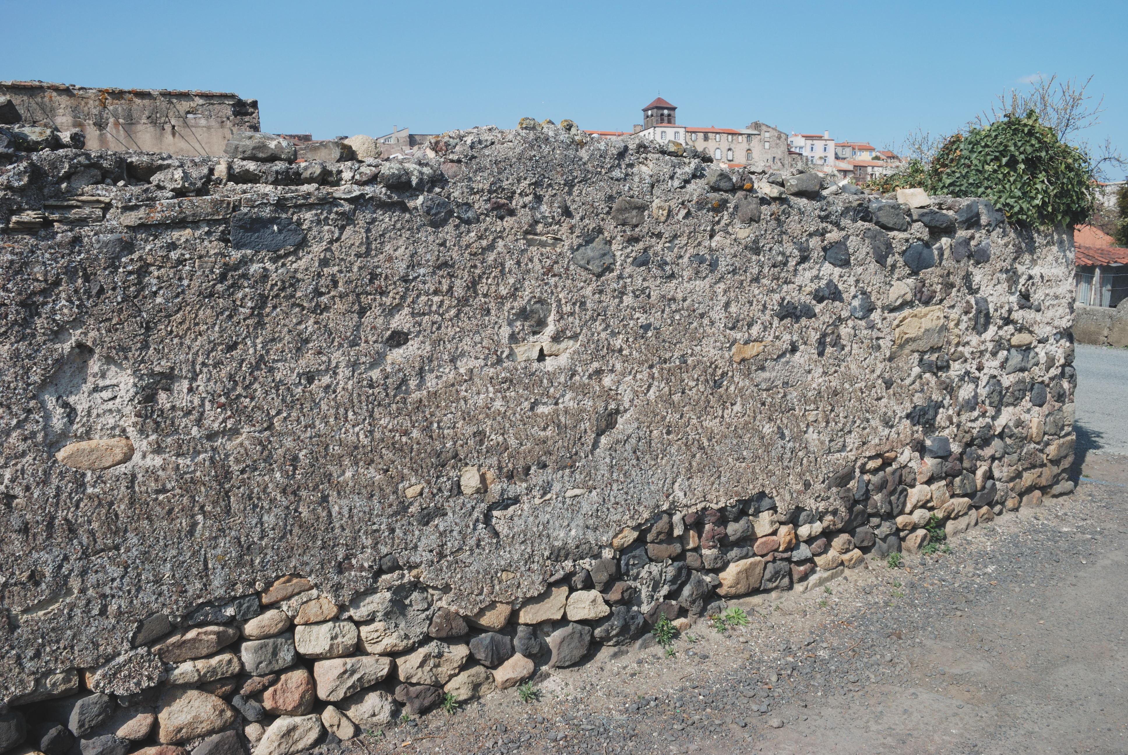 File beaumont mur wikimedia commons - Mur a la chaux exterieur ...