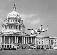 Bell XV-15 landing at Capitol.PNG