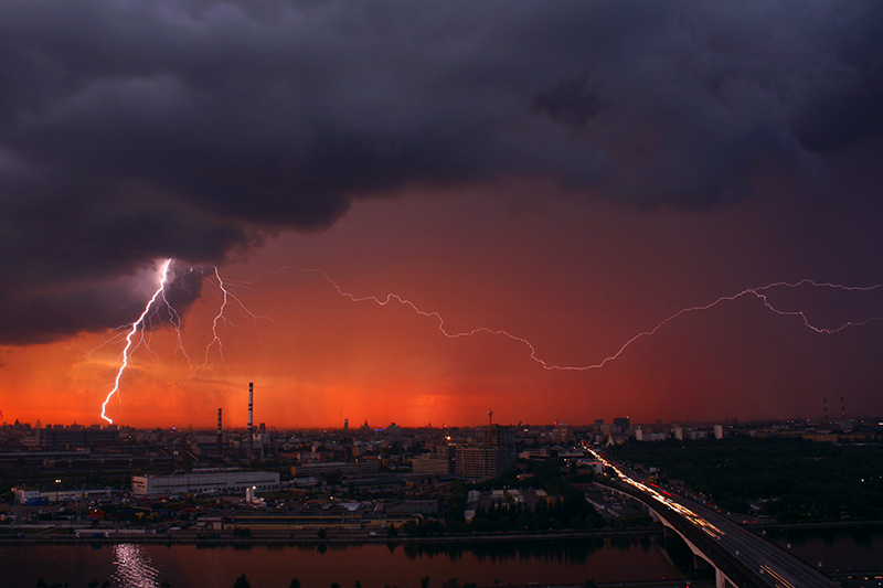 File:Cаvin - Evening lightning (by).jpg