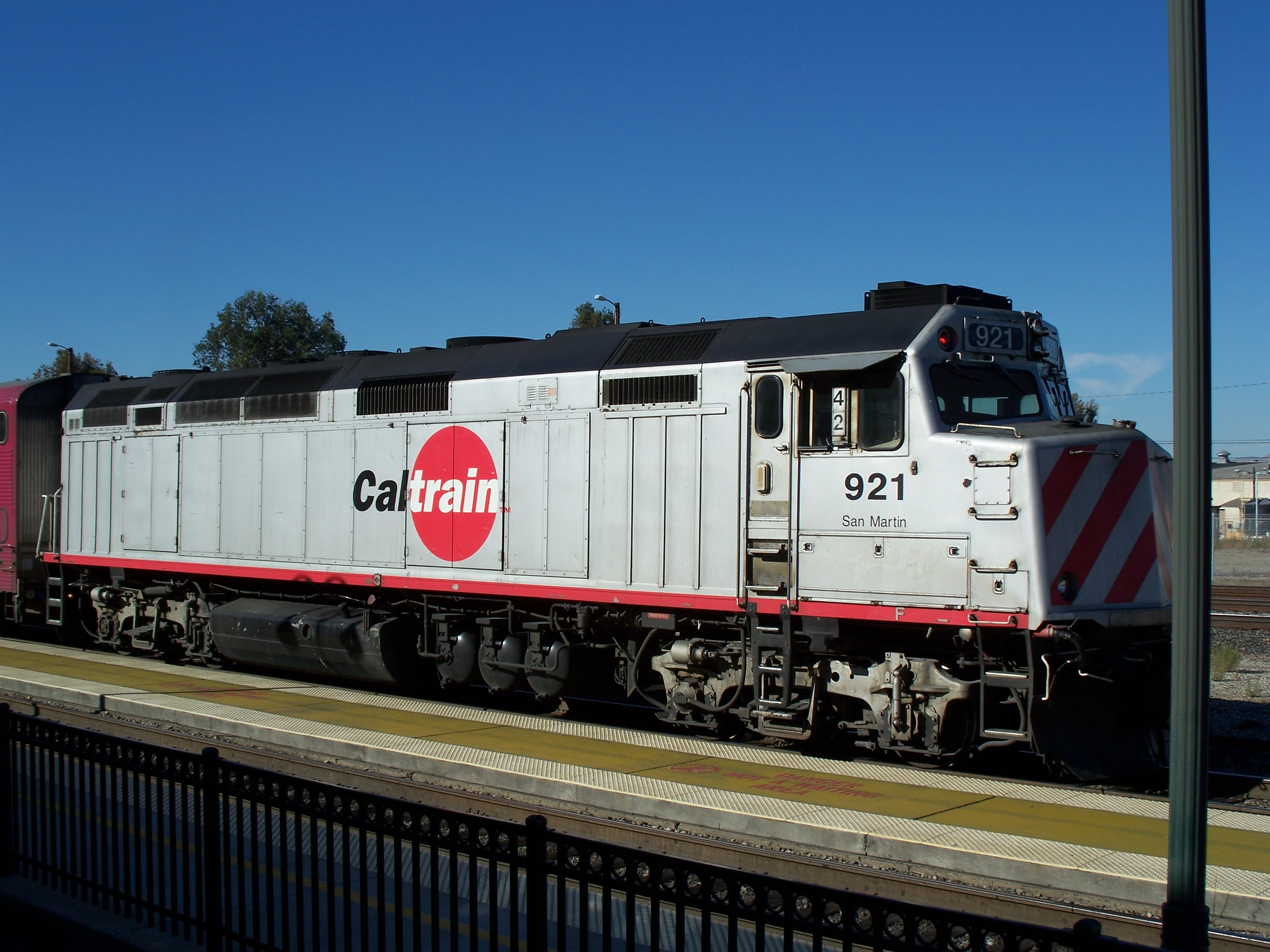 The Commuter >> File:Caltrain-Diesel Locomotive 921.jpg - Wikimedia Commons