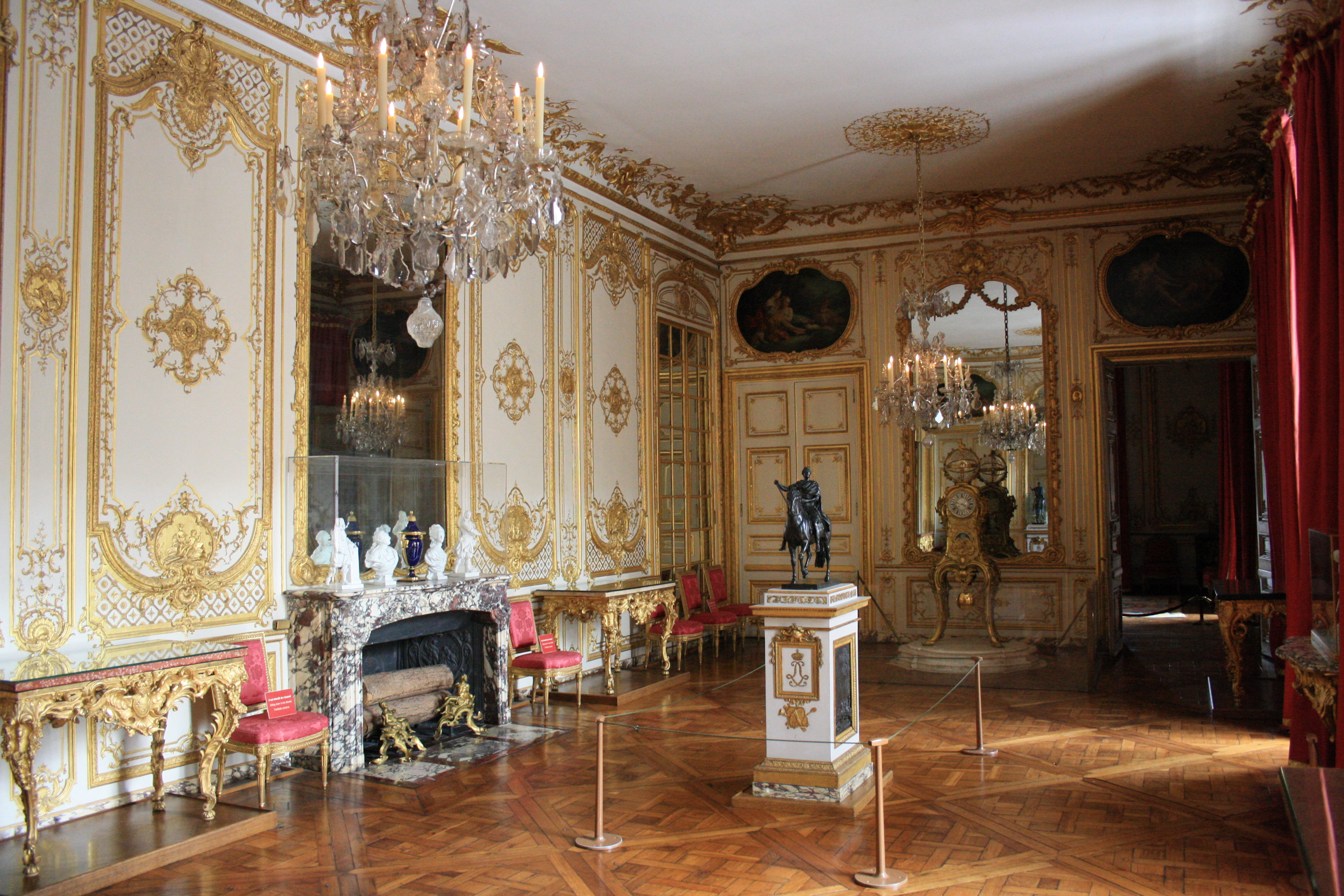 File chateau de versailles petit appartement du roi 030 for Petit appartement design