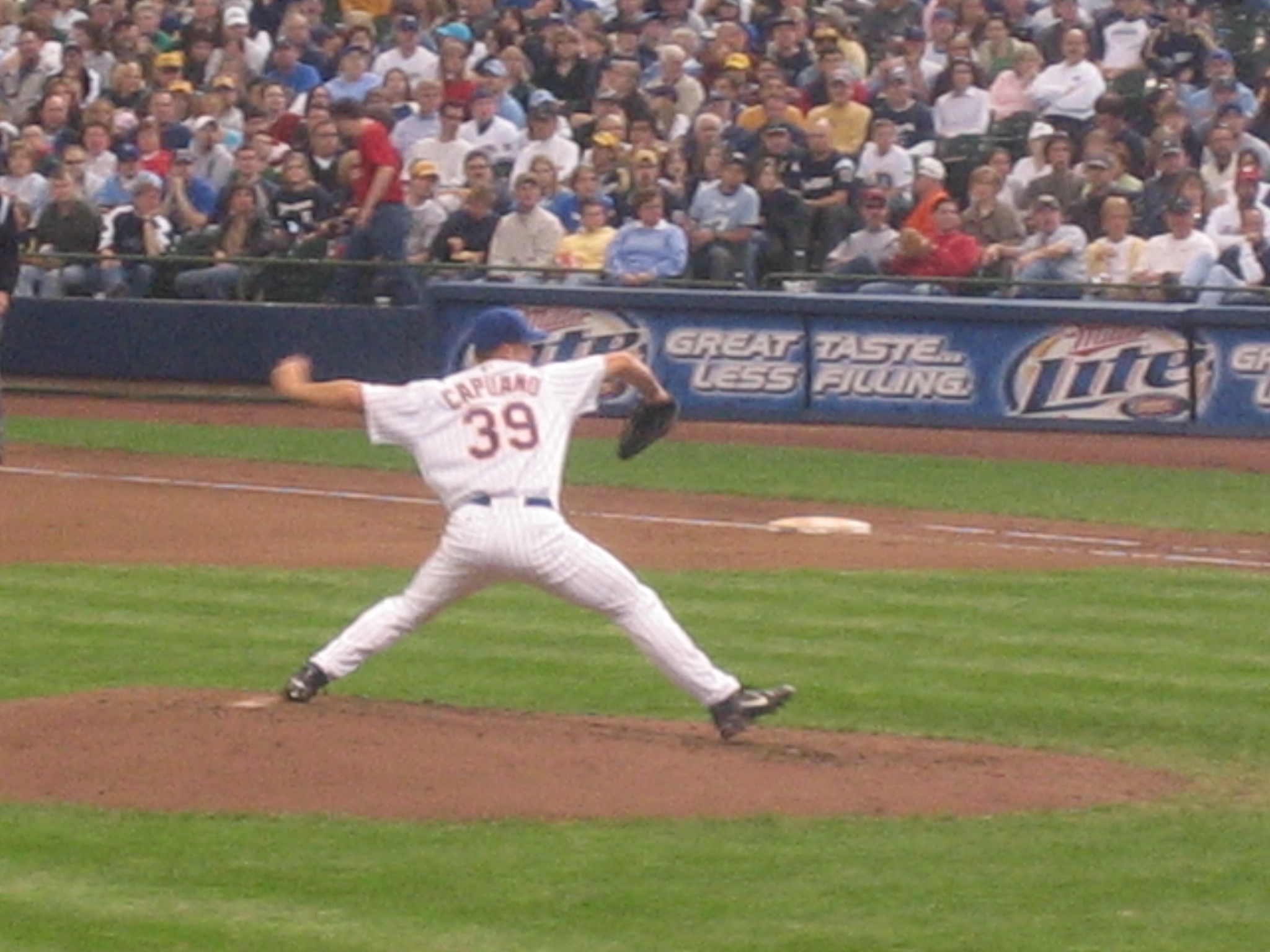Chris Capuano of the Milwaukee Brewers throwing the ball