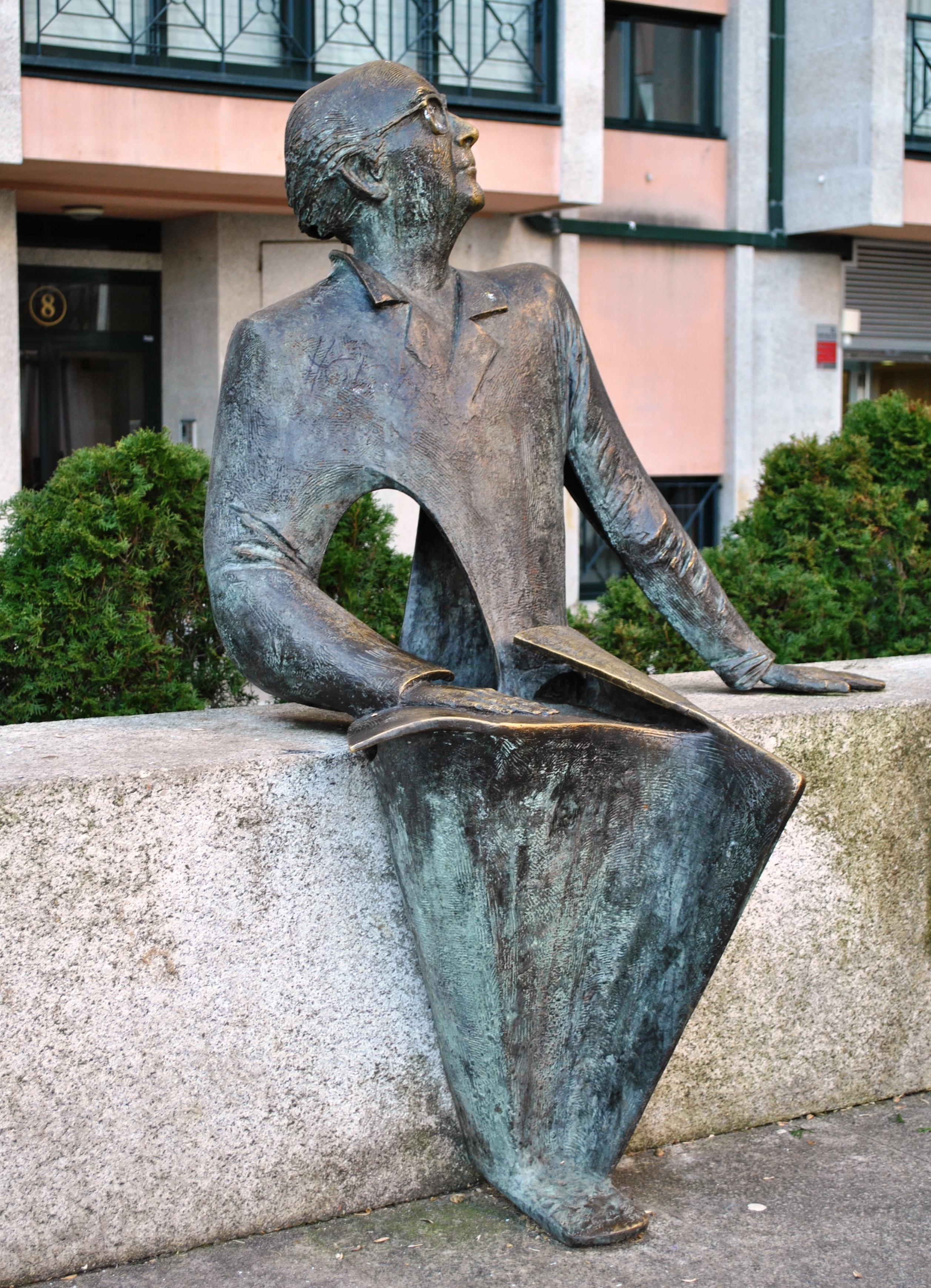 Estatua en Bouzas, Vigo.