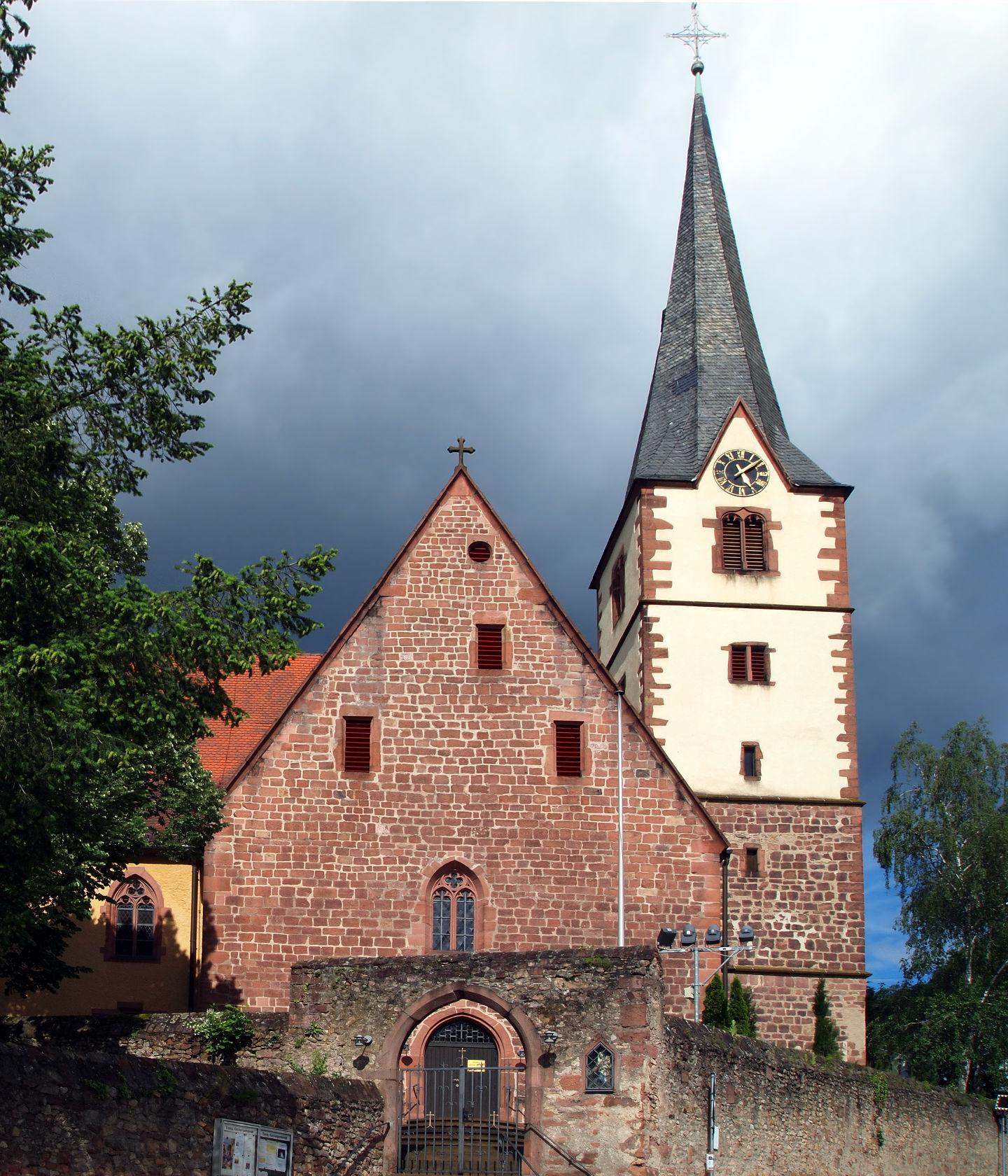 Dossenheim Kirche.jpg