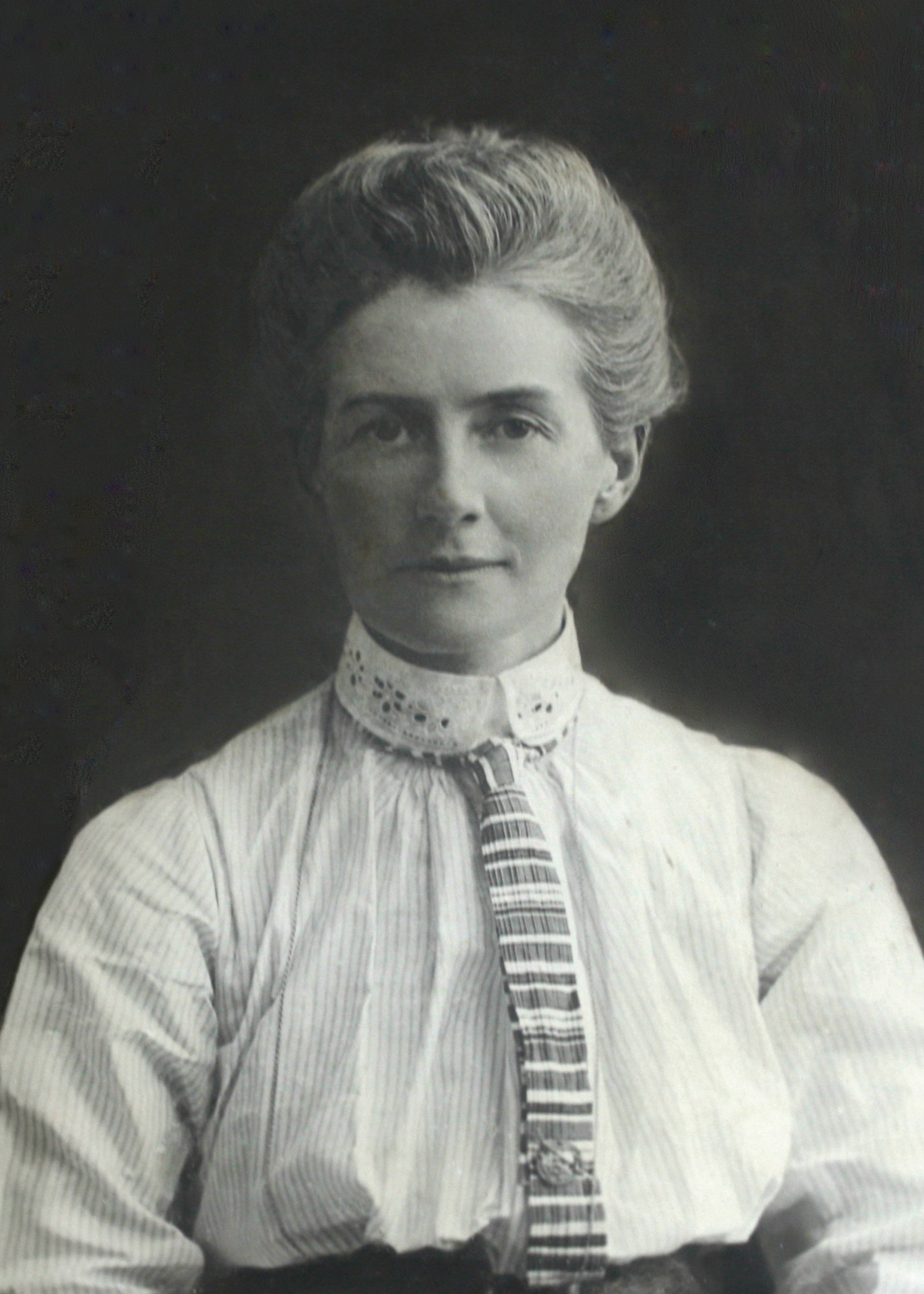 File:Edith Cavell.jpg