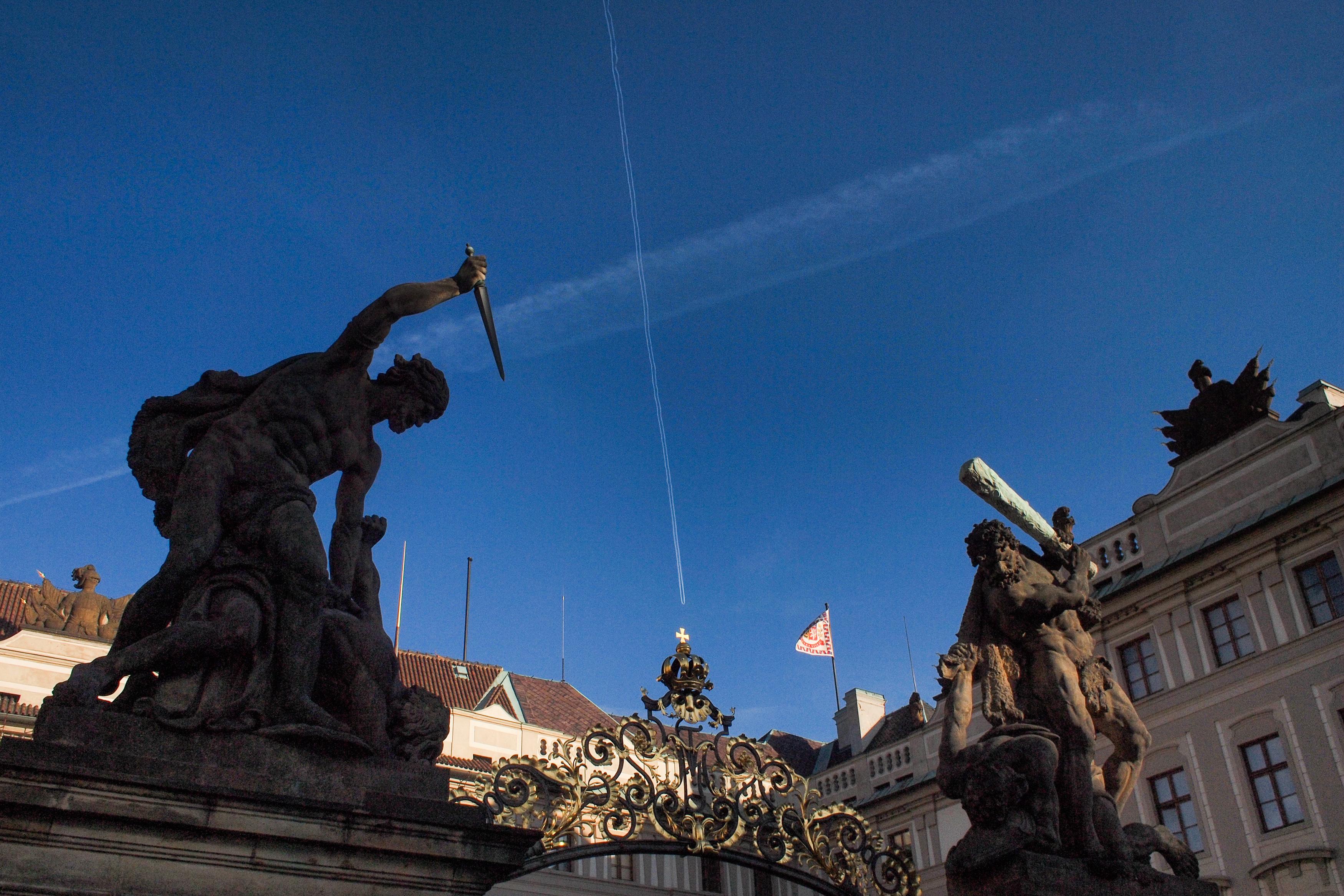 88a3dc5e7 File:Fighting Giants statues On Prague Castle Gate. Prague, Czech Republic, Western  Europe. January 1, 2014.jpg