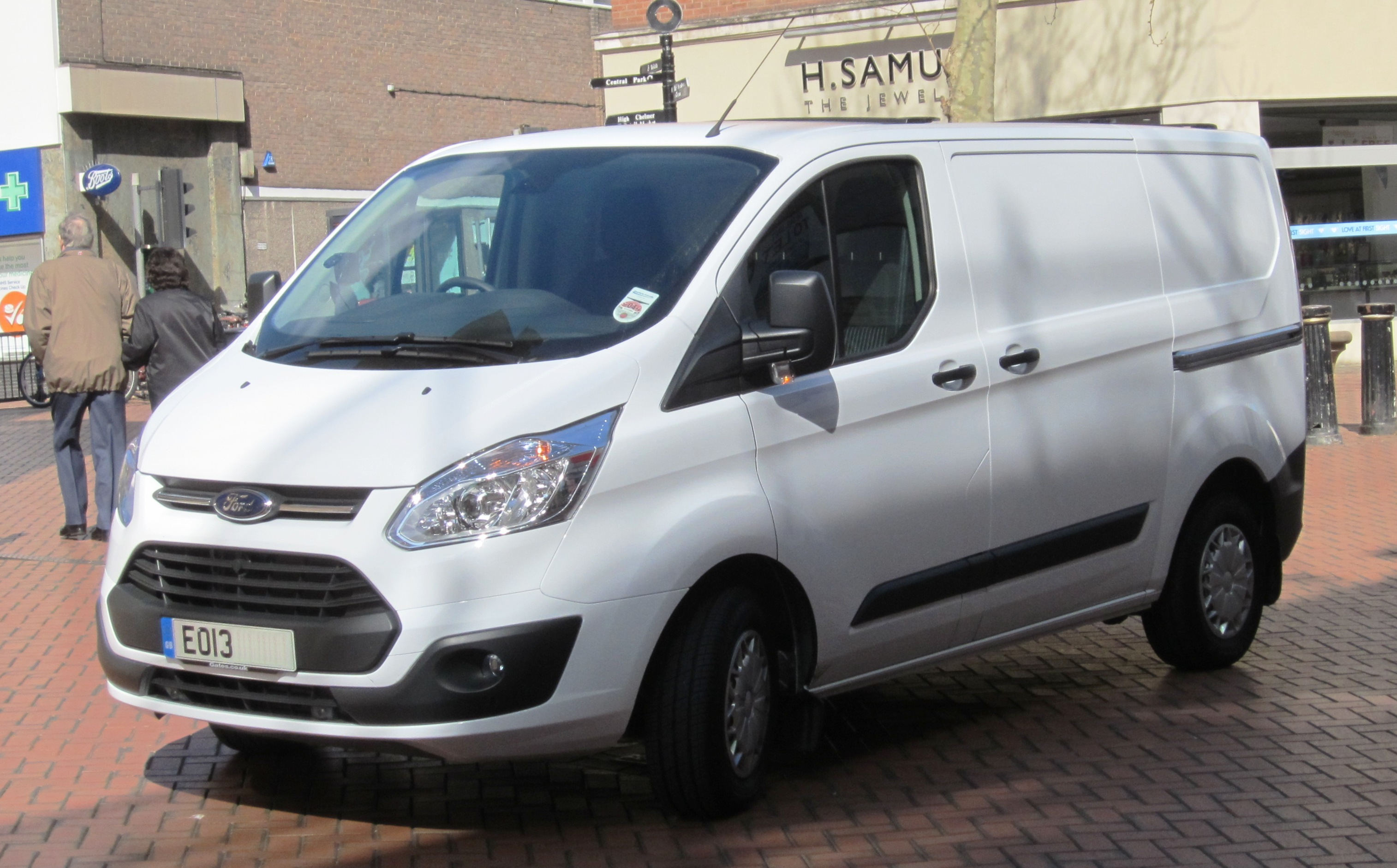 file ford transit mfd turkey reg april 2013 2198cc diesel. Black Bedroom Furniture Sets. Home Design Ideas