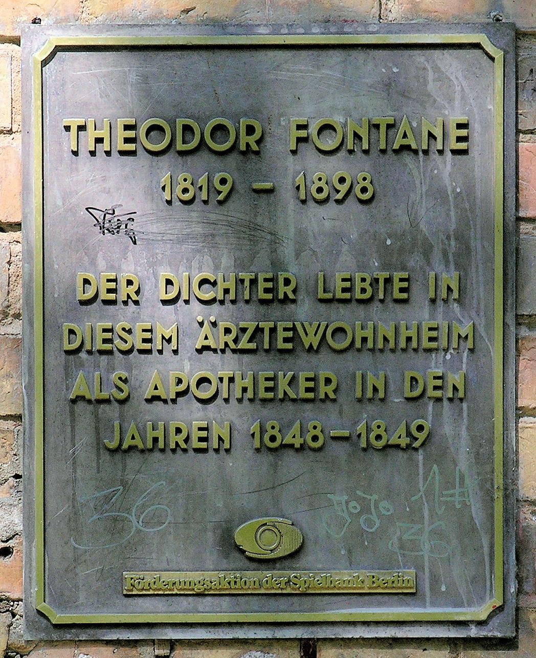 Datei Gedenktafel Mariannenplatz 1 3 Theodor Fontane JPG –