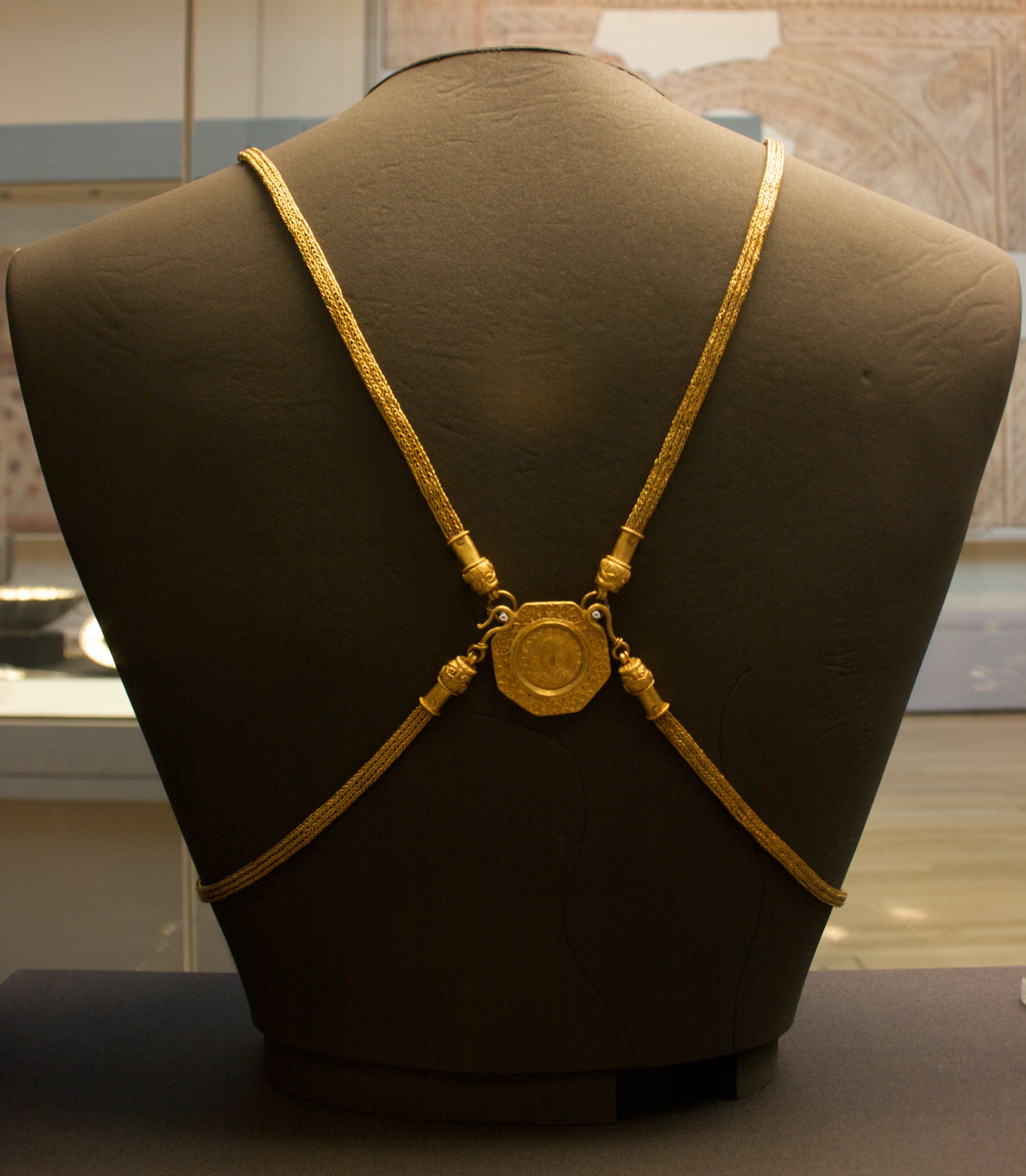 how to make a body chain