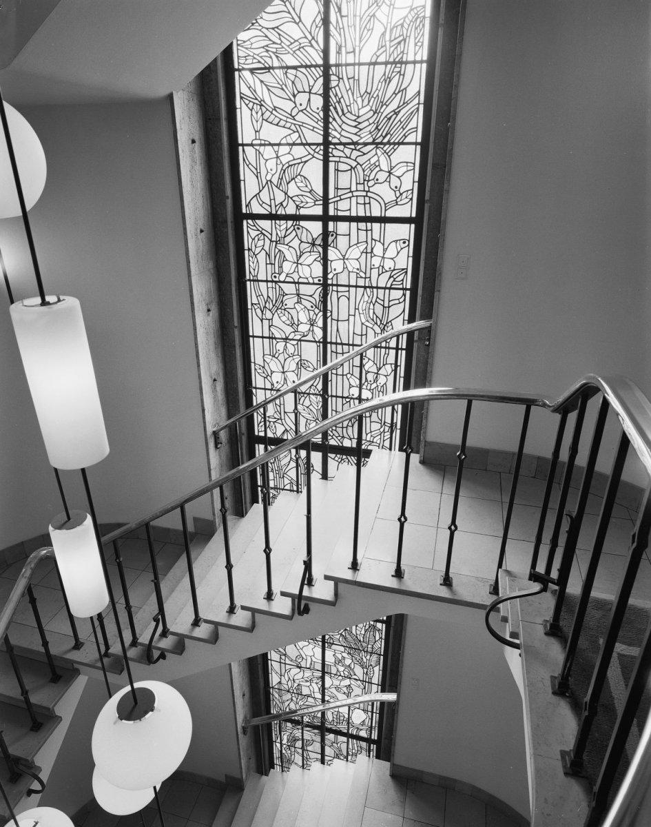 Datei interieur trappenhuis zicht op gebrandschilderd for Interieur niederlande