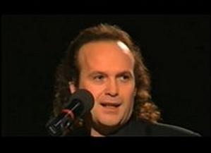 Janusz Cedro podczas występu.jpg