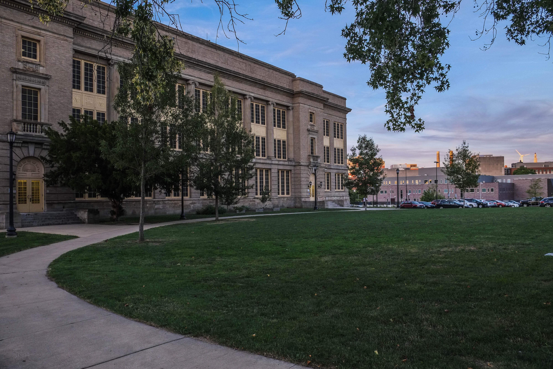 John Hay High School - Wikipedia