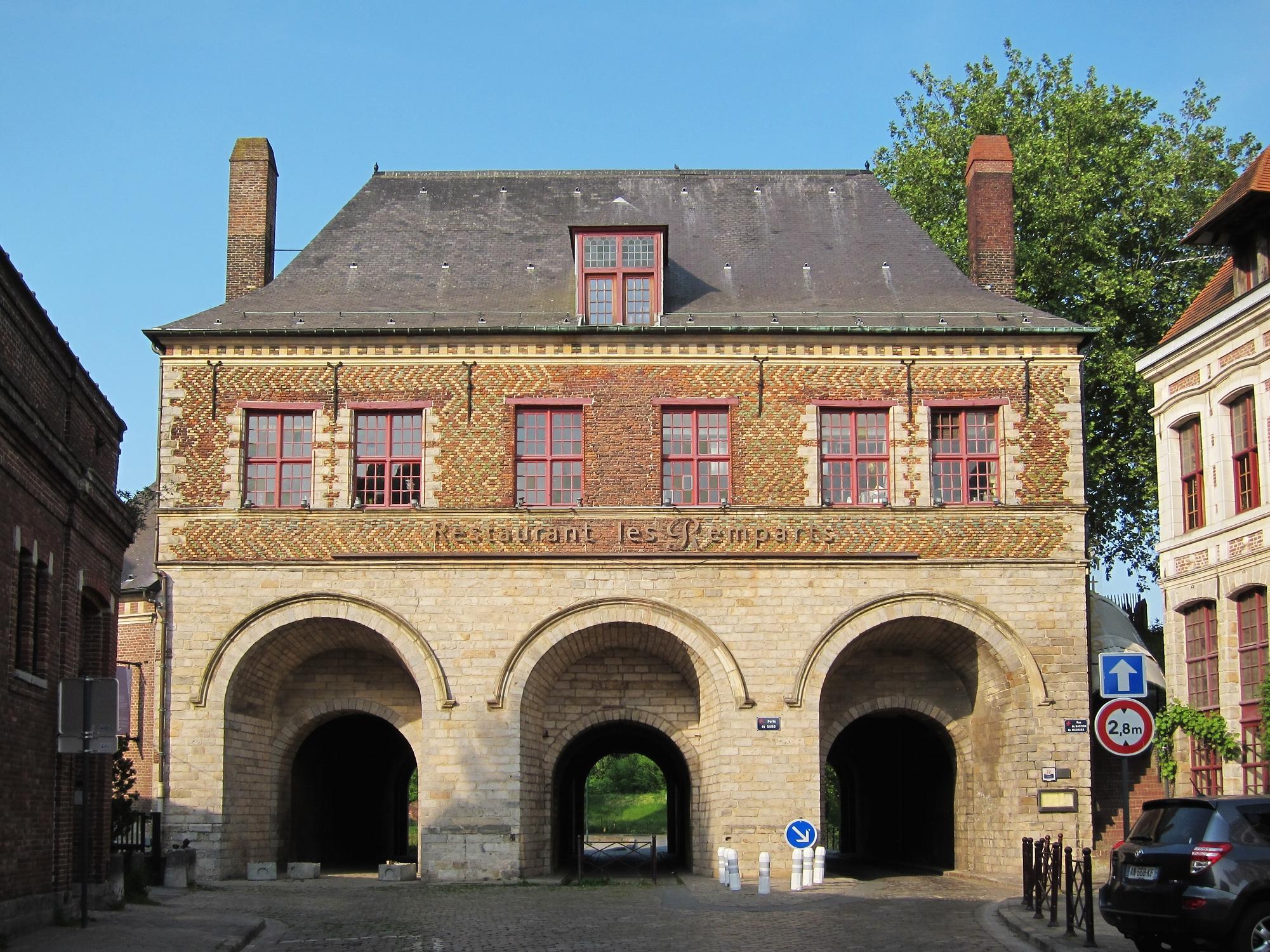 File lille porte de gand jpg wikimedia commons for Porte in english