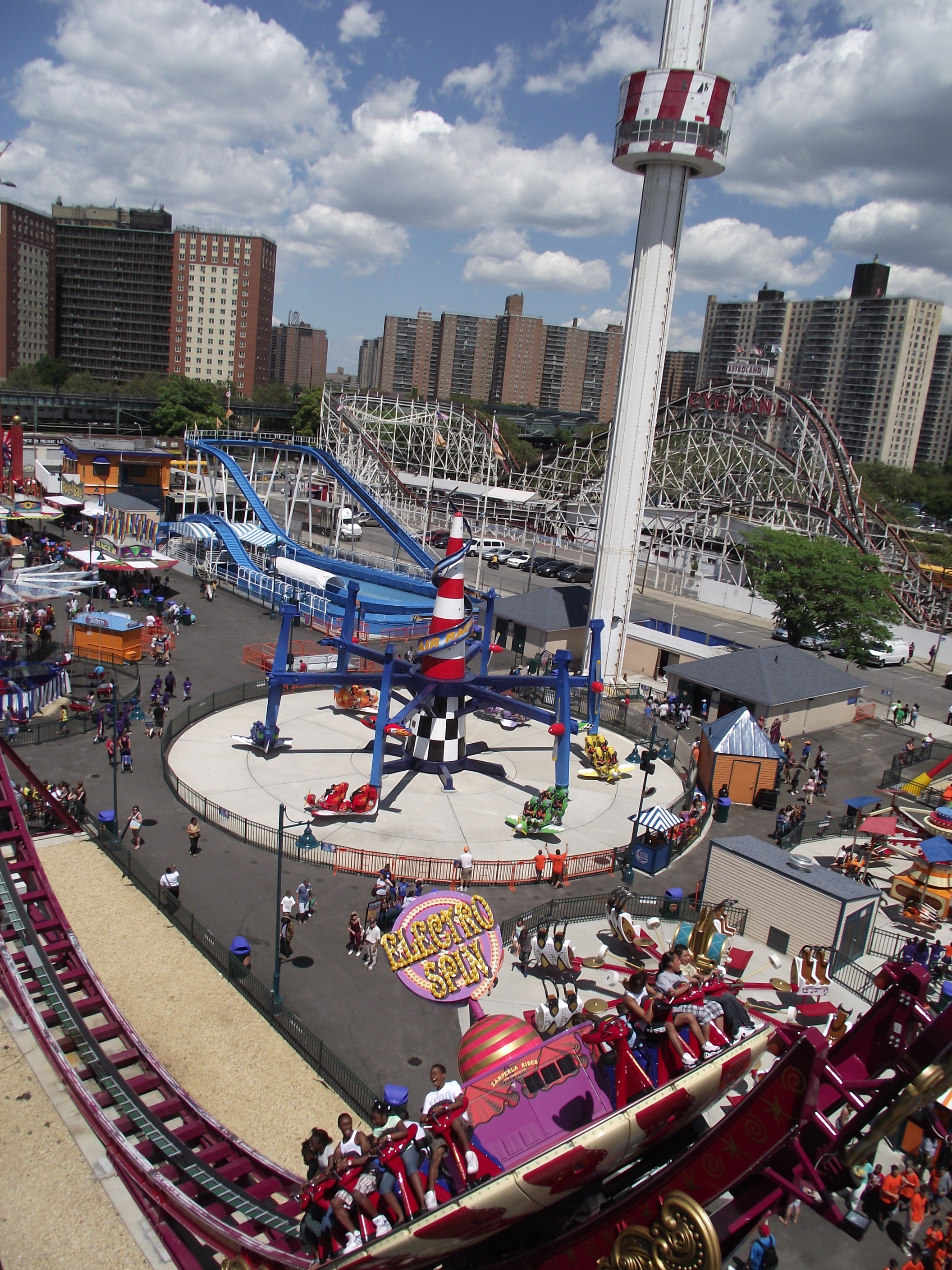 File luna park coney island 3 jpg wikimedia commons for What to do nyc