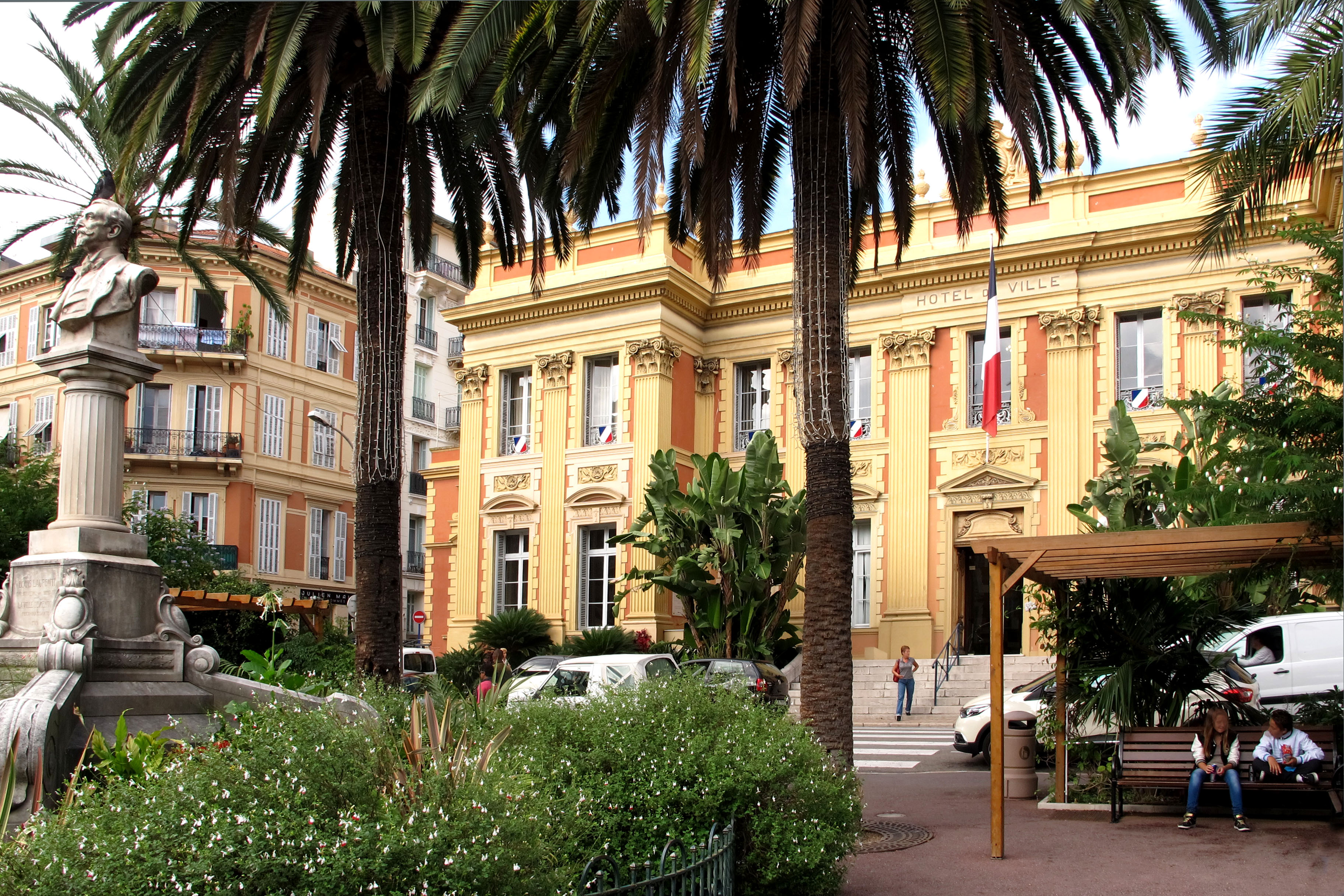 File menton h tel de ville france gb jpg wikimedia commons for Hotel original france