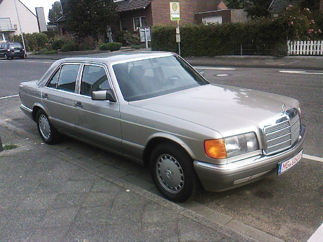 File mercedes benz 260 se w wikimedia commons for Mercedes benz 260