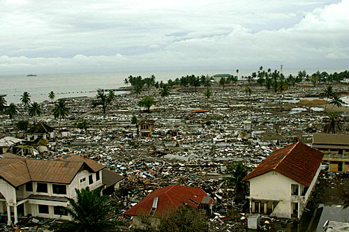 Boxing Day tsunami: Incredible then and now photos from ... |Indian Ocean Earthquake And Tsunami