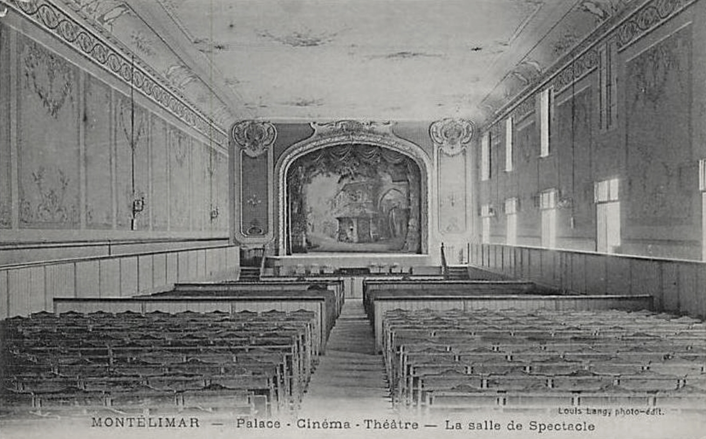 File:Montélimar Cinéma Palace.jpg - Wikimedia Commons